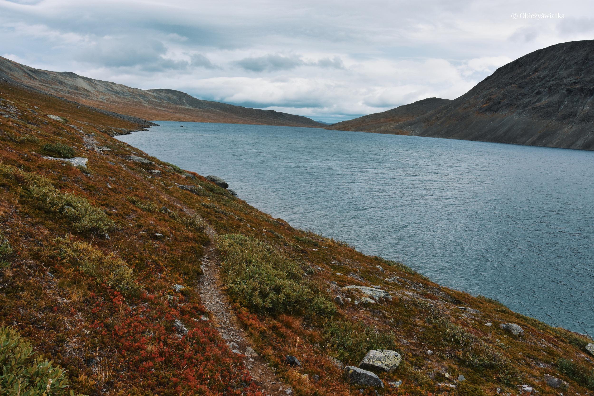 Na alternatywnym szlaku wokół grani Bessegen, Norwegia