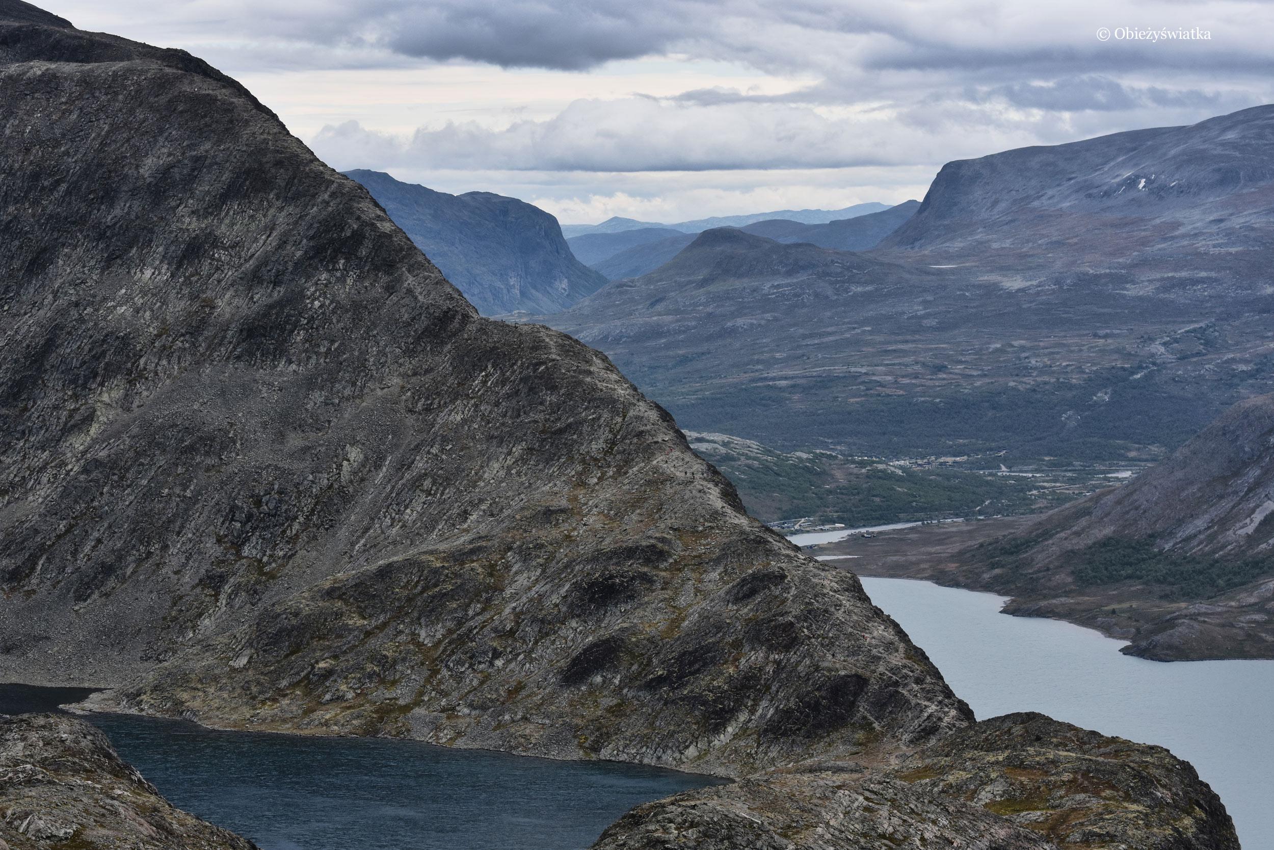 Dwa jeziora - Gjende i Bessvatnet, szlak na Besseggen