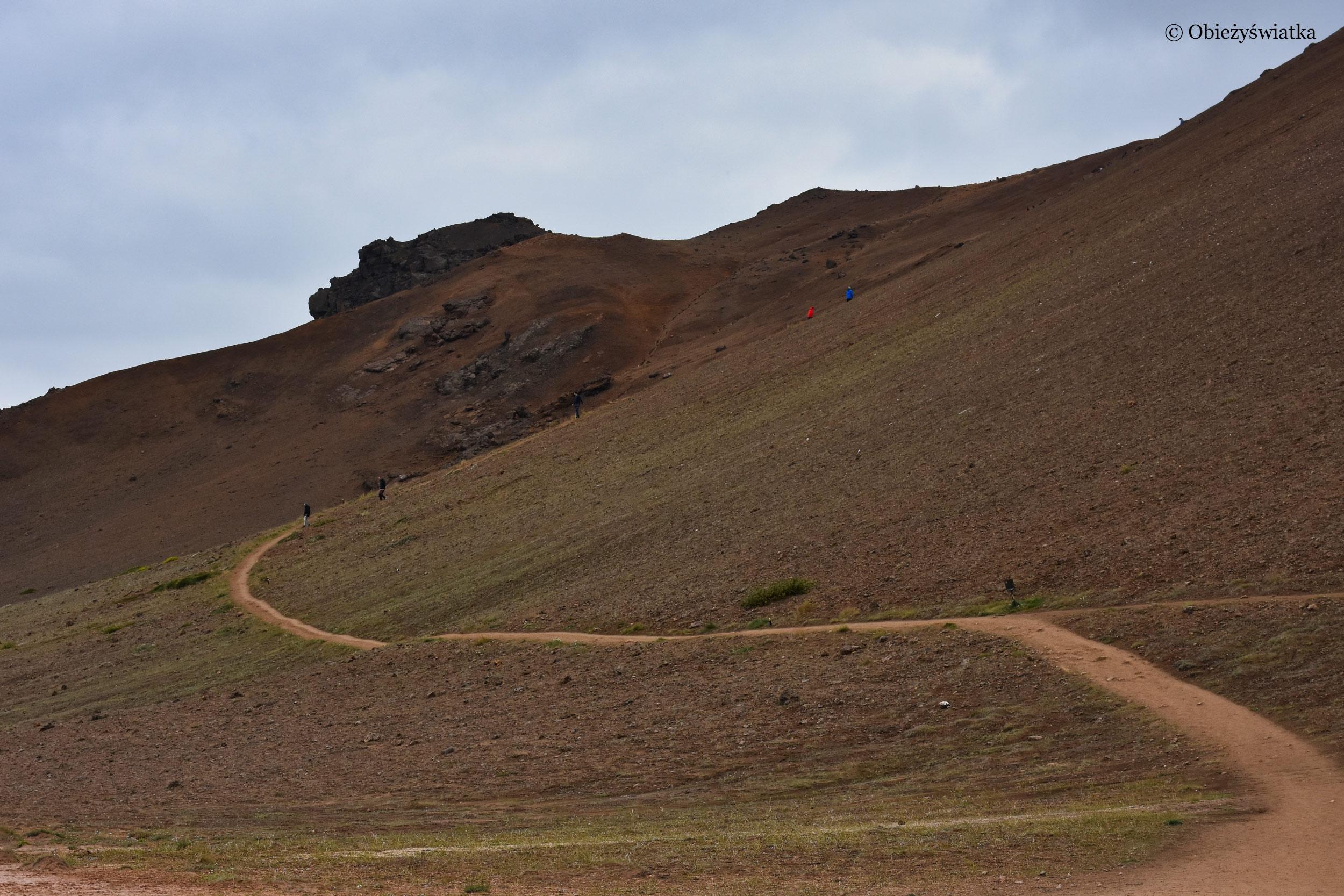 Ścieżka na wzgórze Námafjall, Islandia