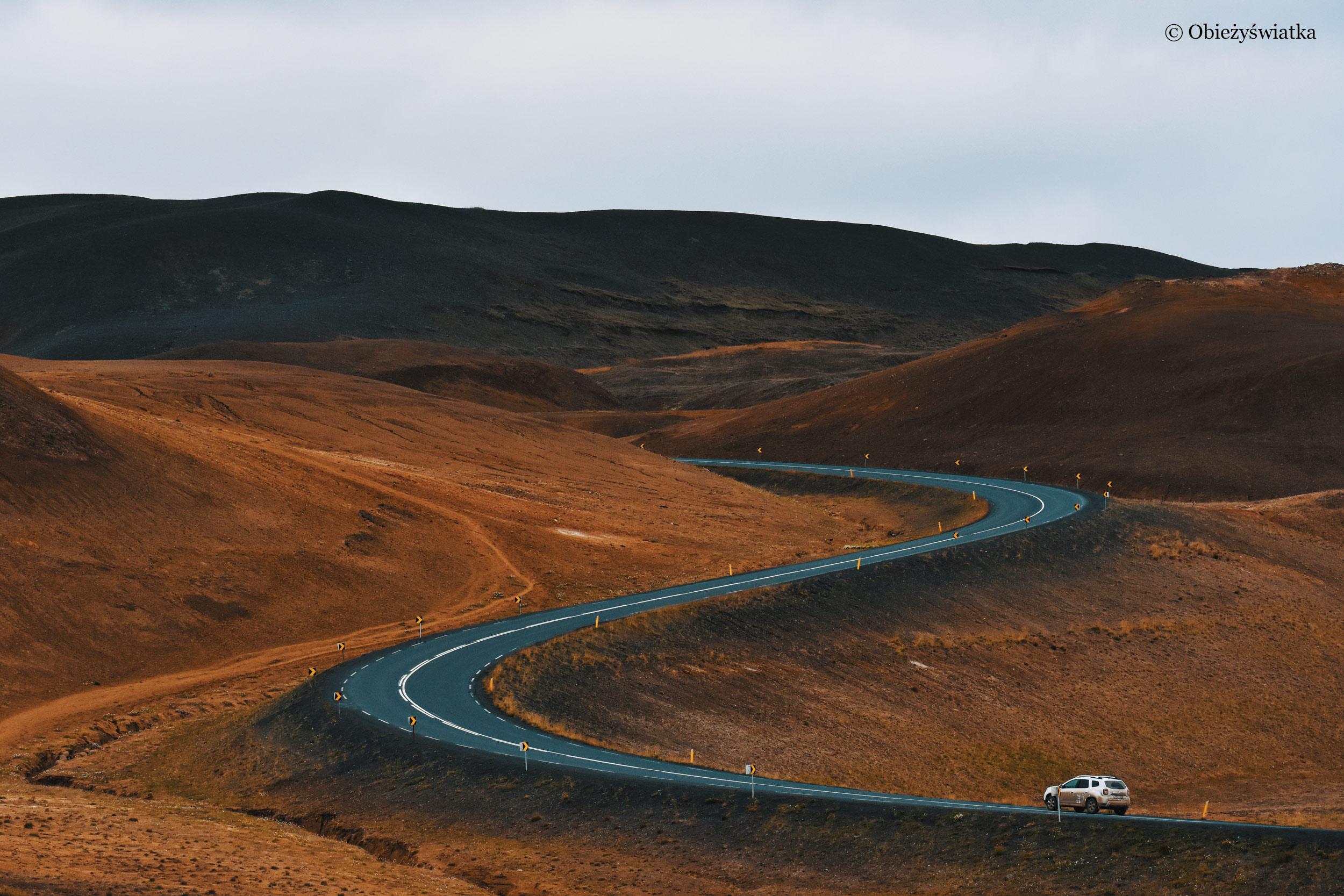 W drodze przez Islandię