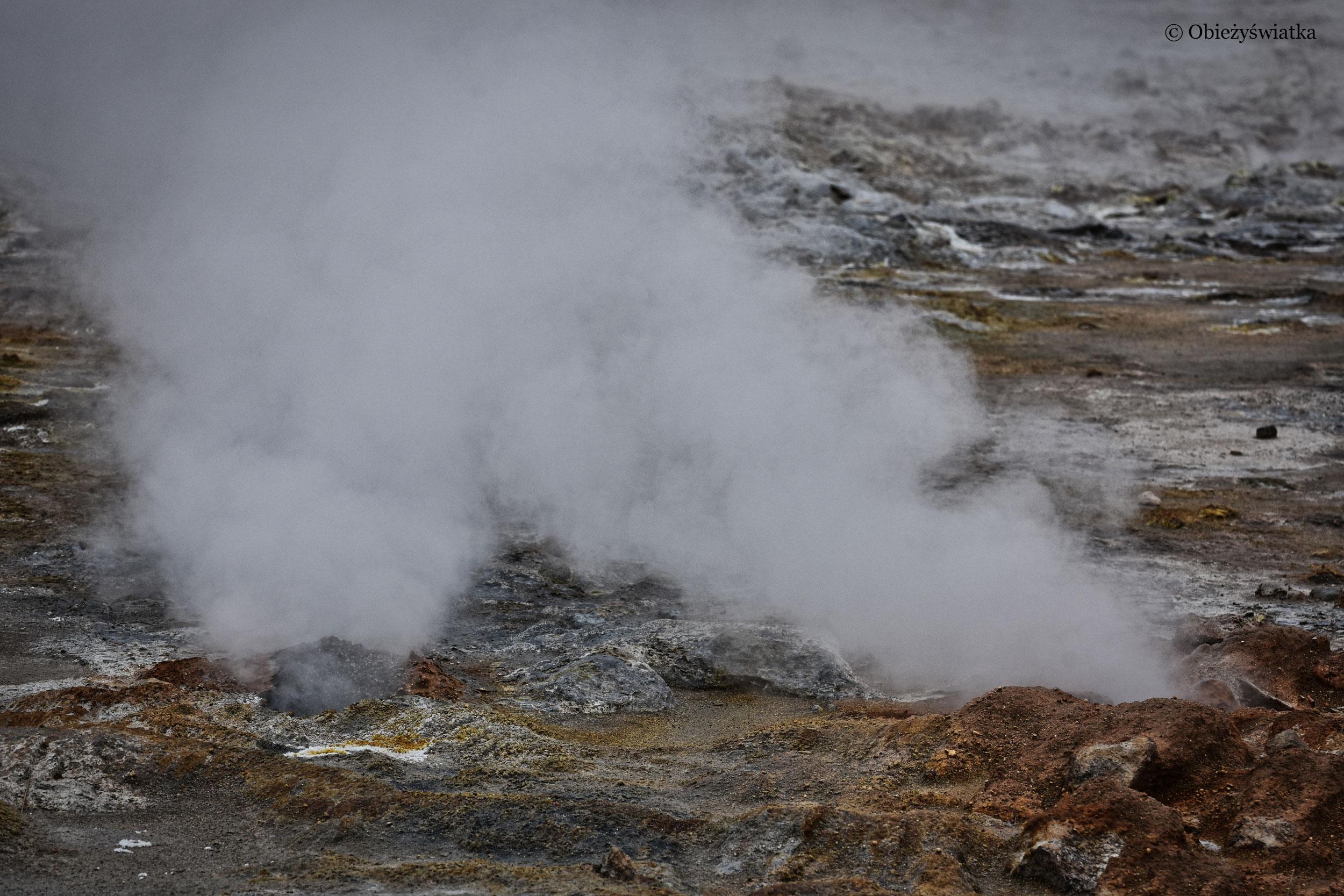 Buchające fumarole, Islandia