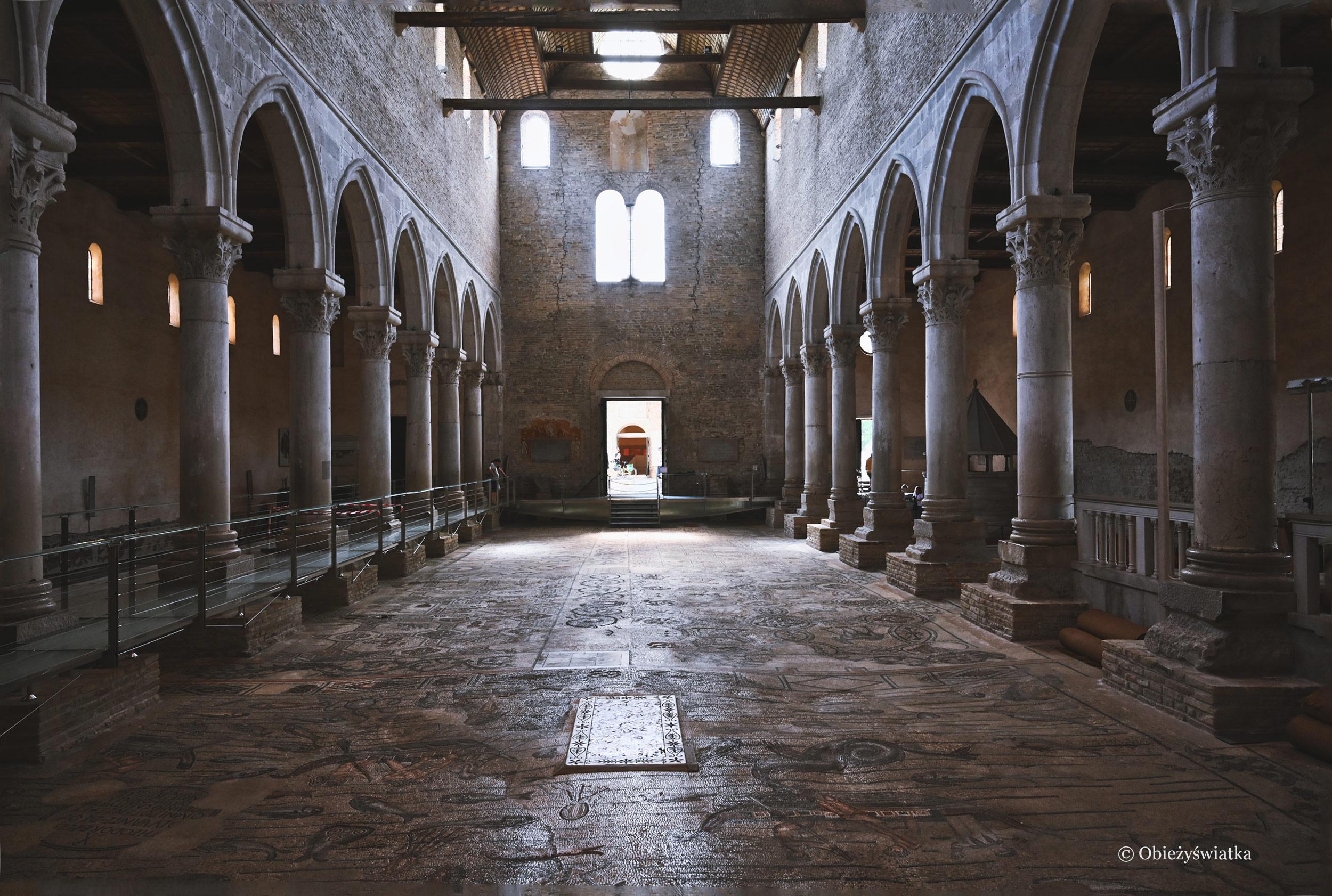 Wnętrze Bazyliki w Akwilei