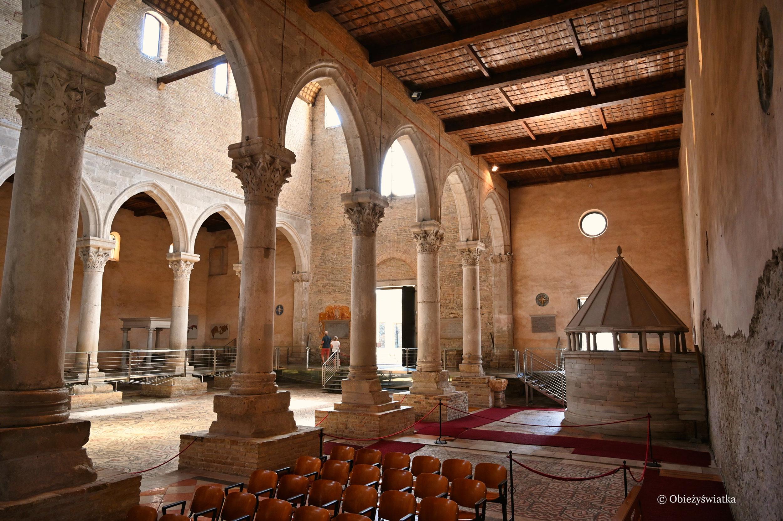 Wnętrze Bazyliki w Akwilei, Włochy