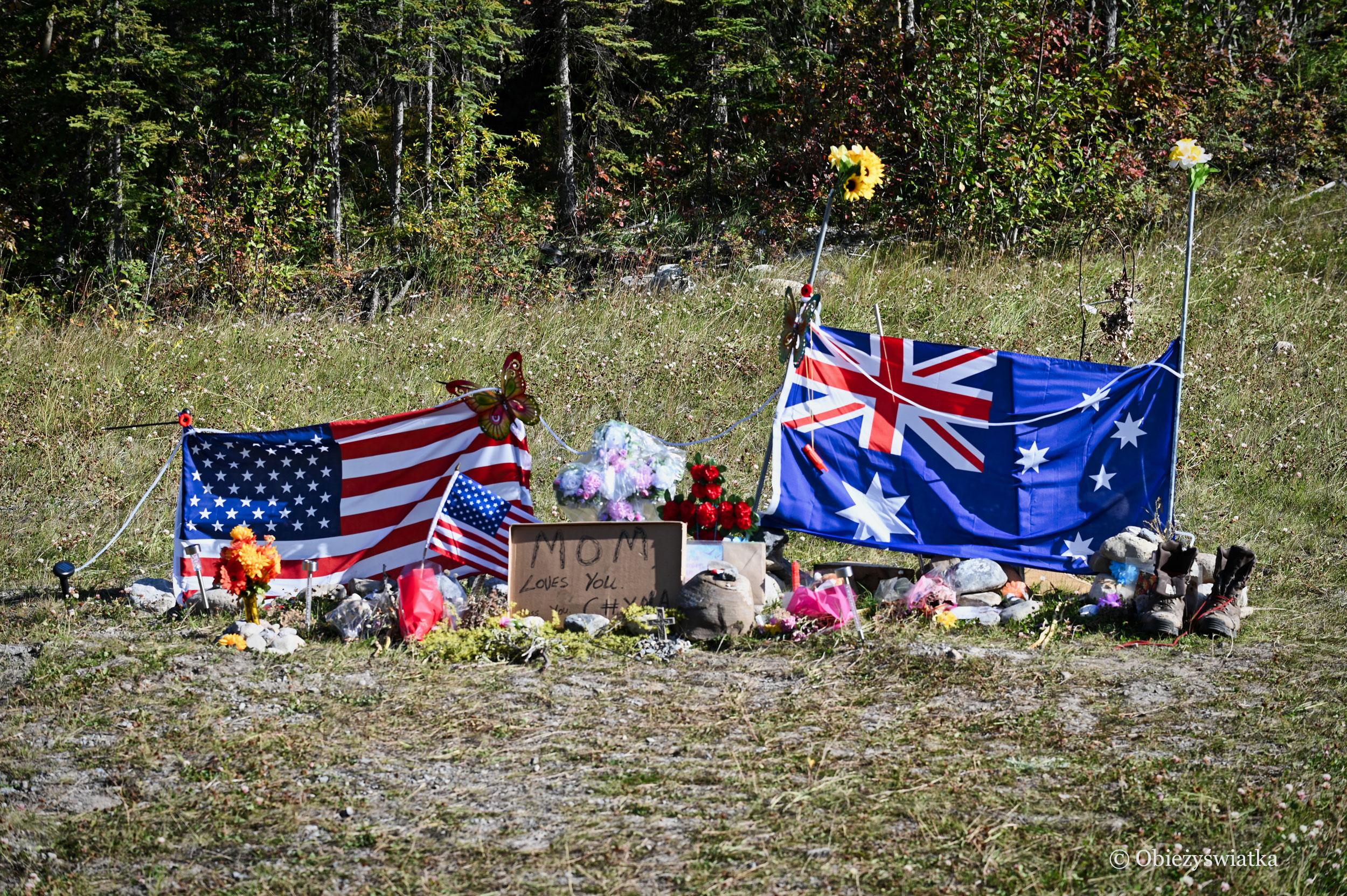 Pomnik Chynny i Lucasa, Alaska Highway, Kanada