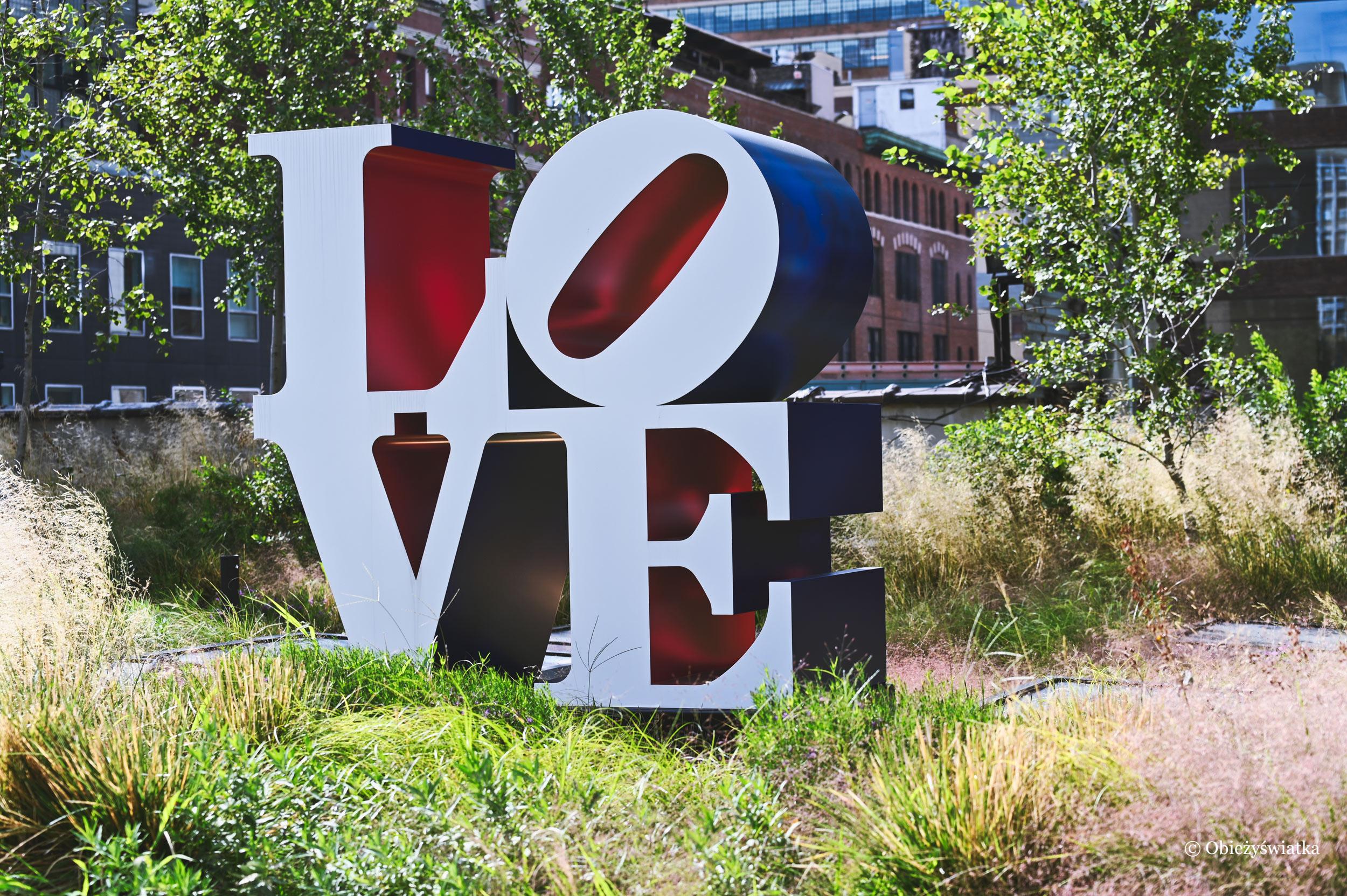 Znana rzeźba LOVE autorstwa Roberta Indiany - park The High Line, Nowy Jork