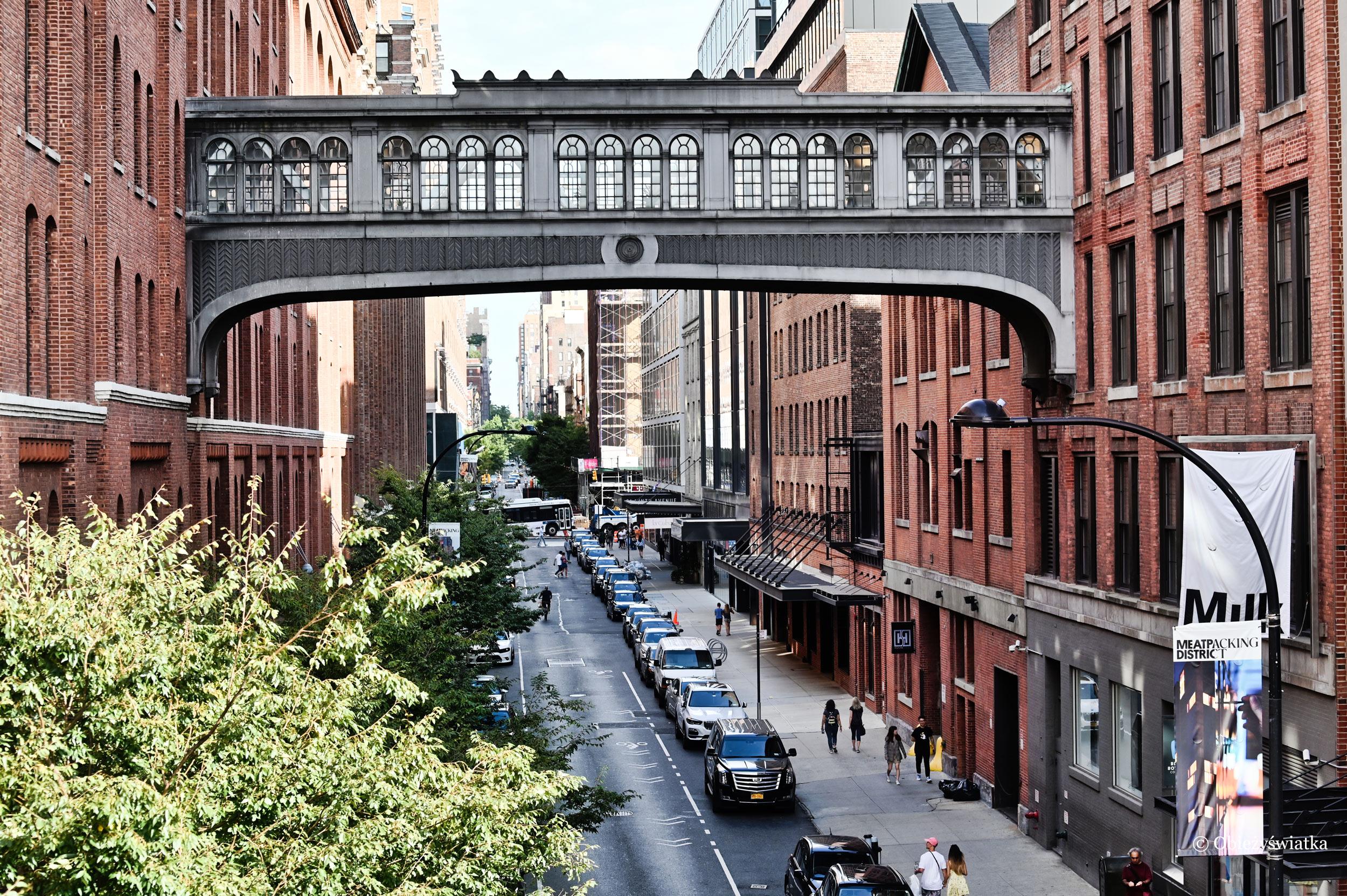 Widok z parku ponad ulicami Nowego Jorku, The High Line