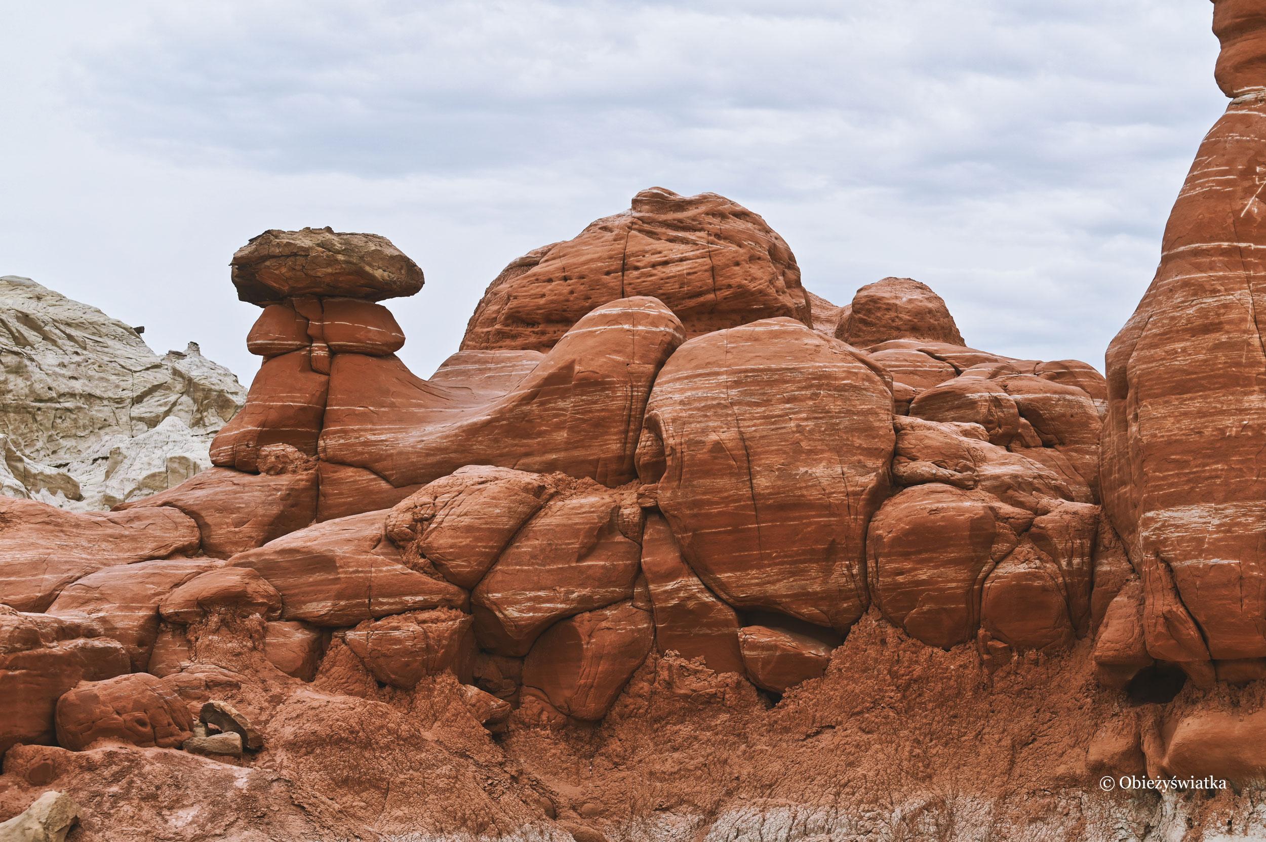 Z bliska, Hoodoos, Toadstools Trail, Utah
