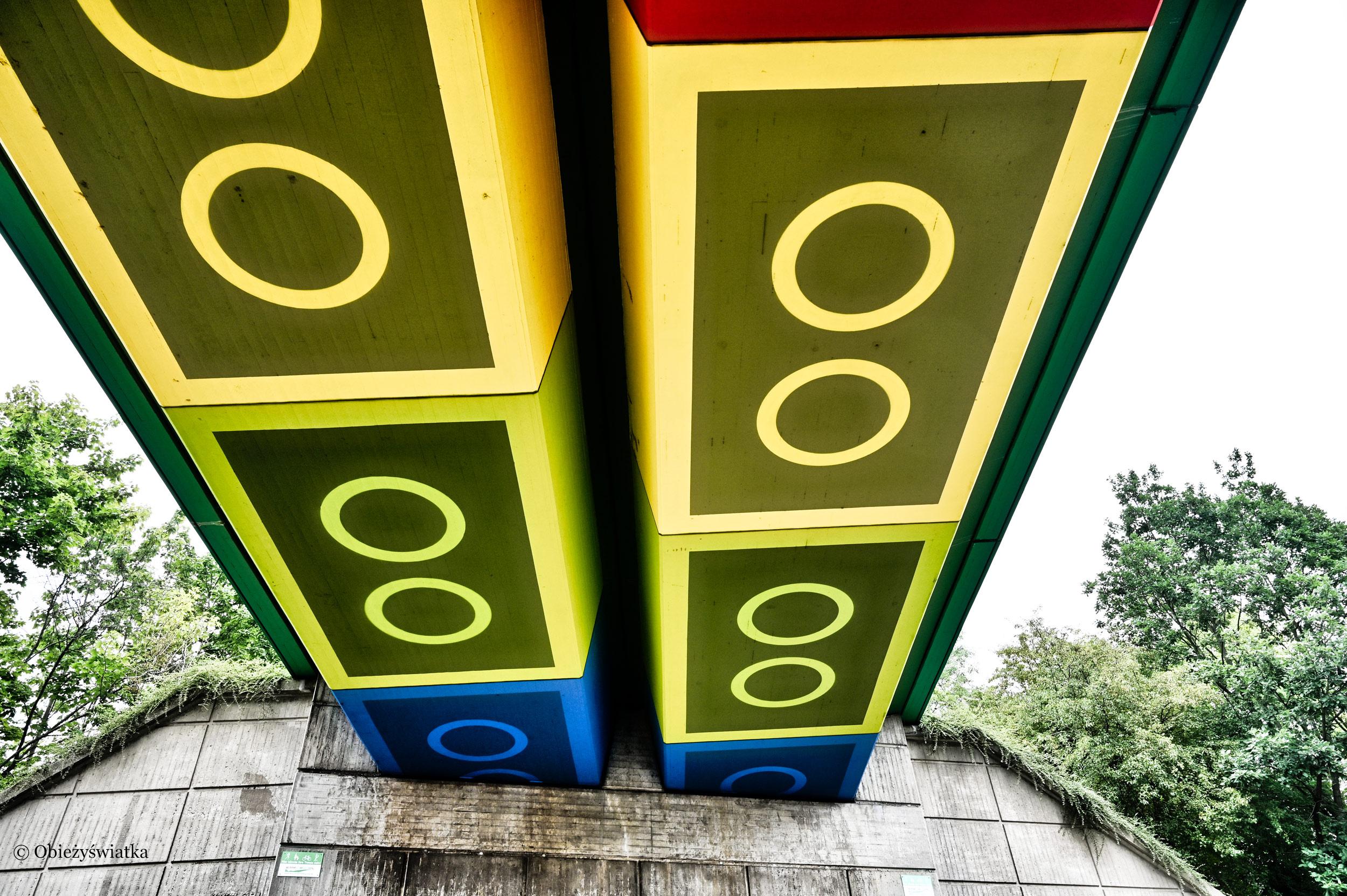 Klocki Lego i most, Wuppertal, Niemcy