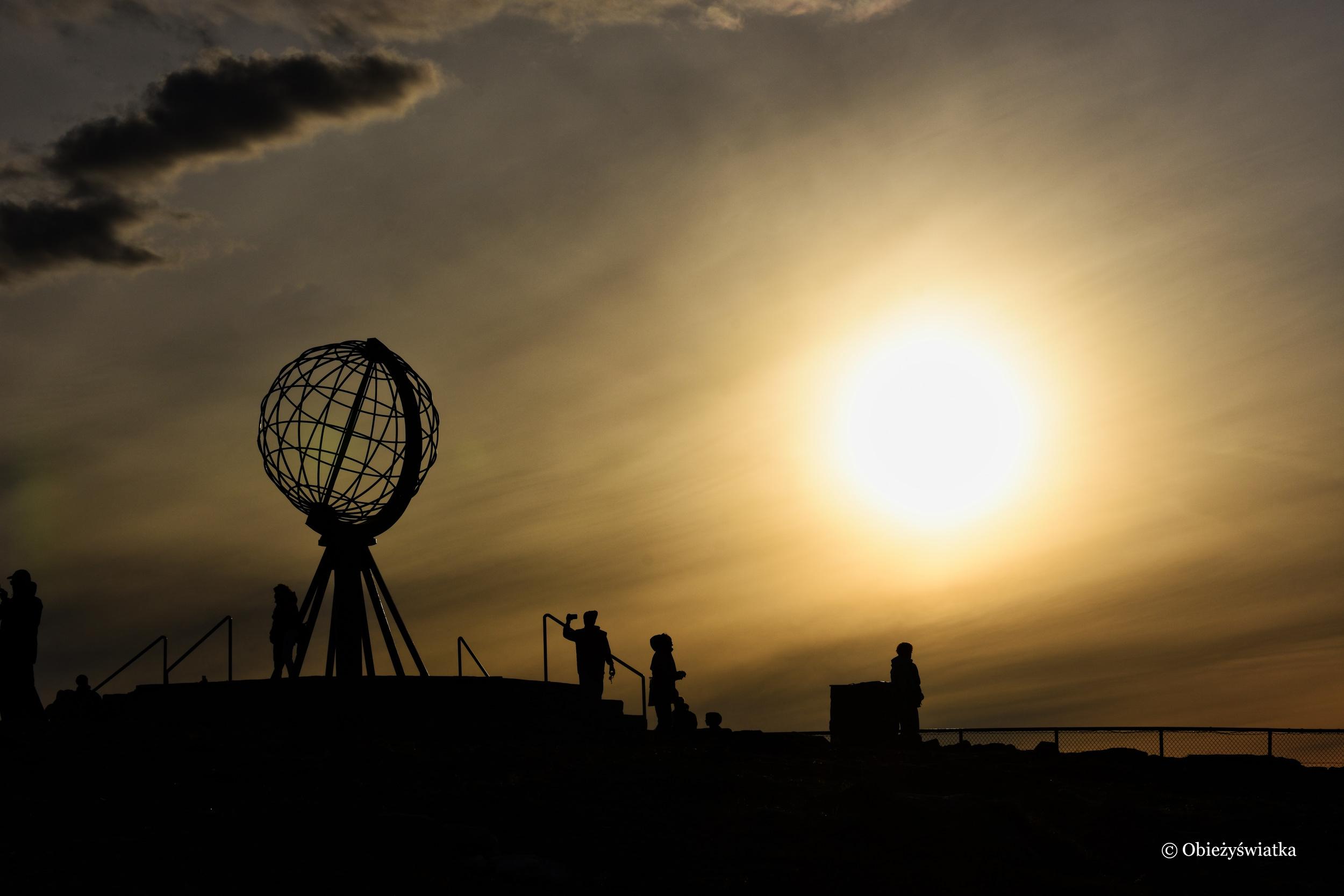 Ognista kula i globus, Nordkapp, Norwegia