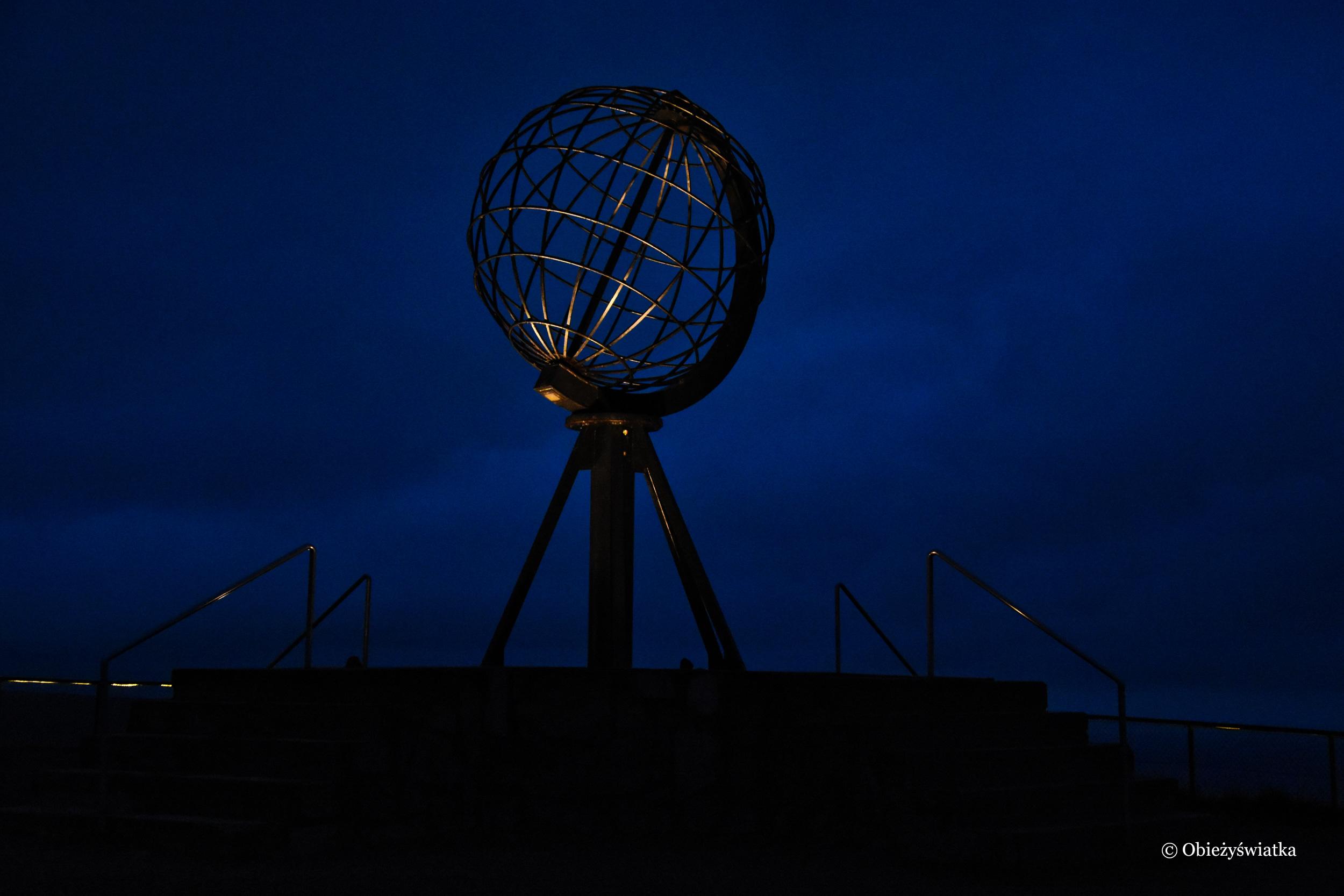Globus nocą, Nordkapp, Norwegia