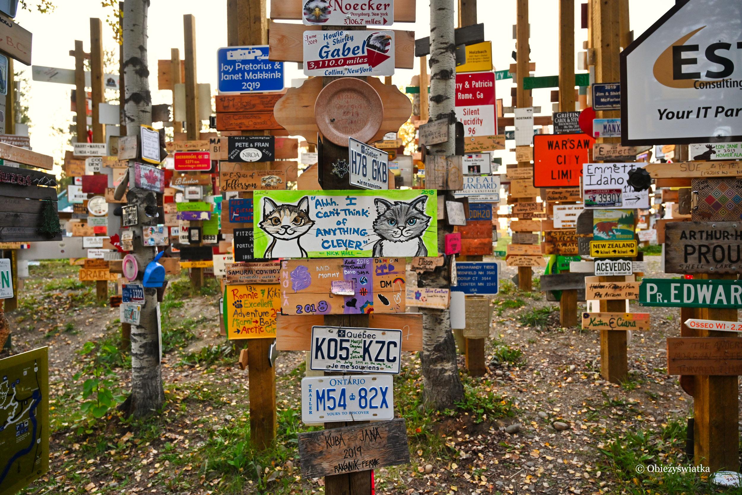 Tysiące szyldów, tysiące pomysłów - Las Drogowskazów, Watson Lake