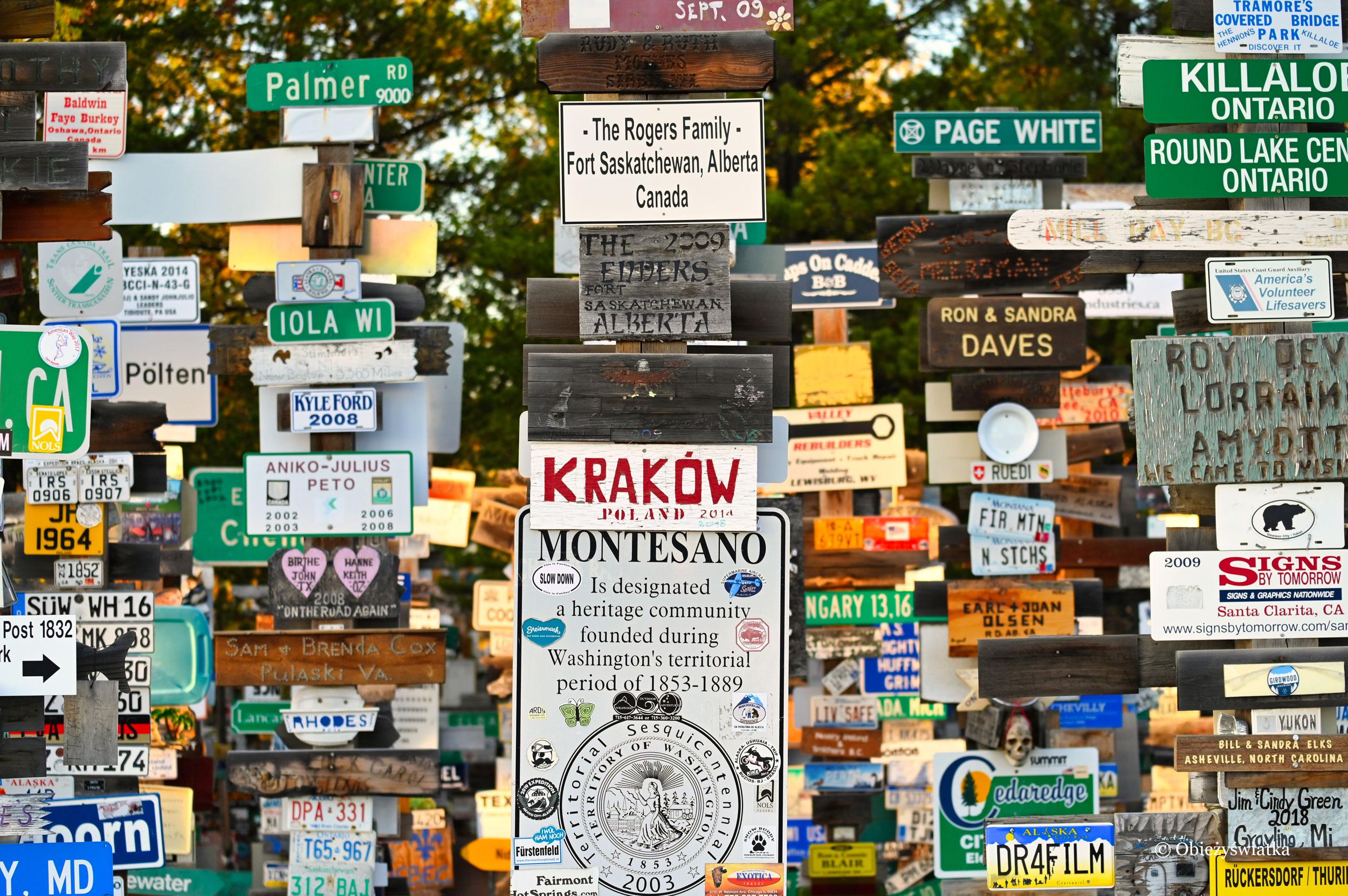 Jest i Kraków, Sign Post Forest, Watson Lake