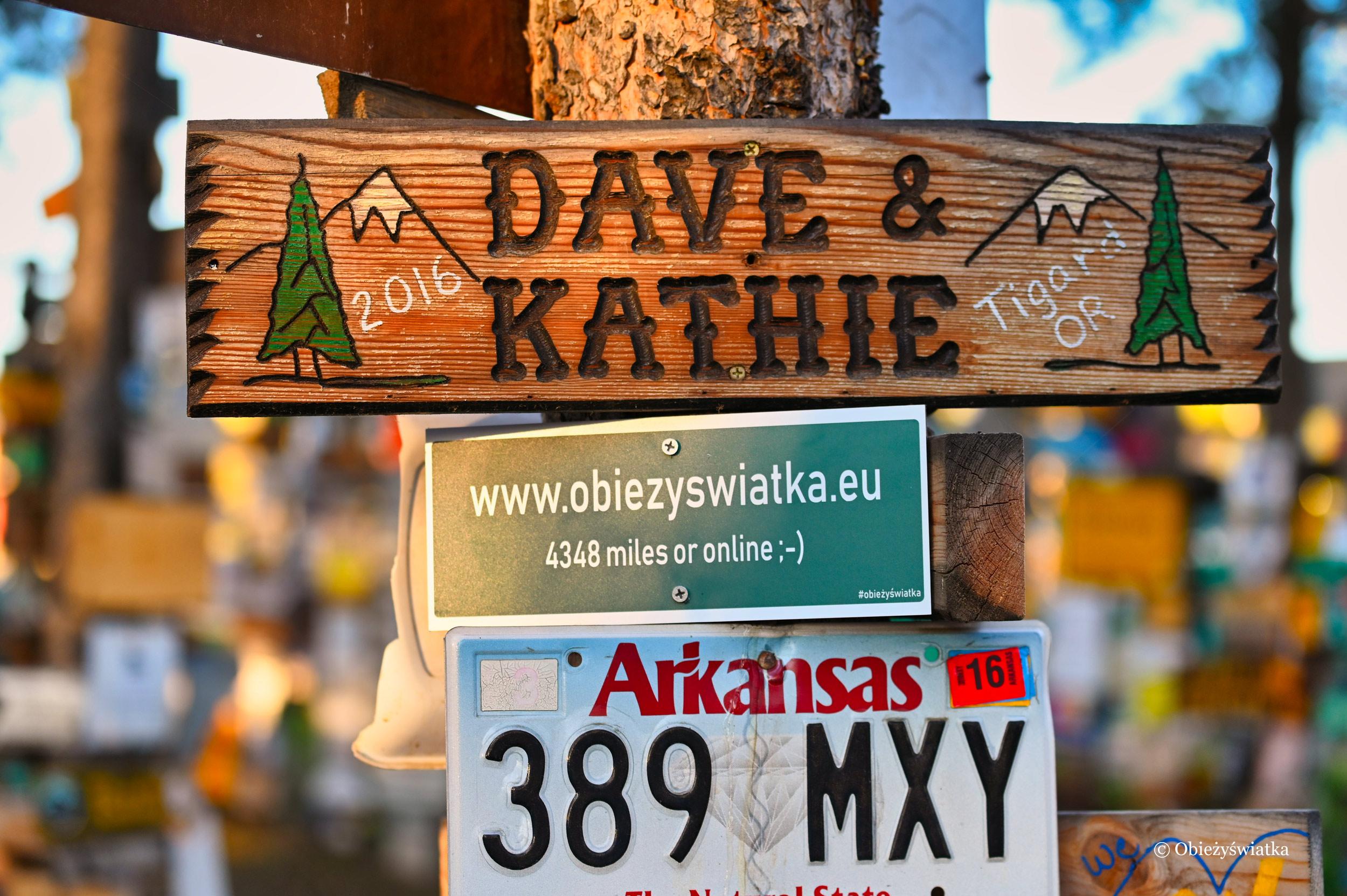 Obieżyświatka w Sign Post Forest, Watson Lake, Kanada