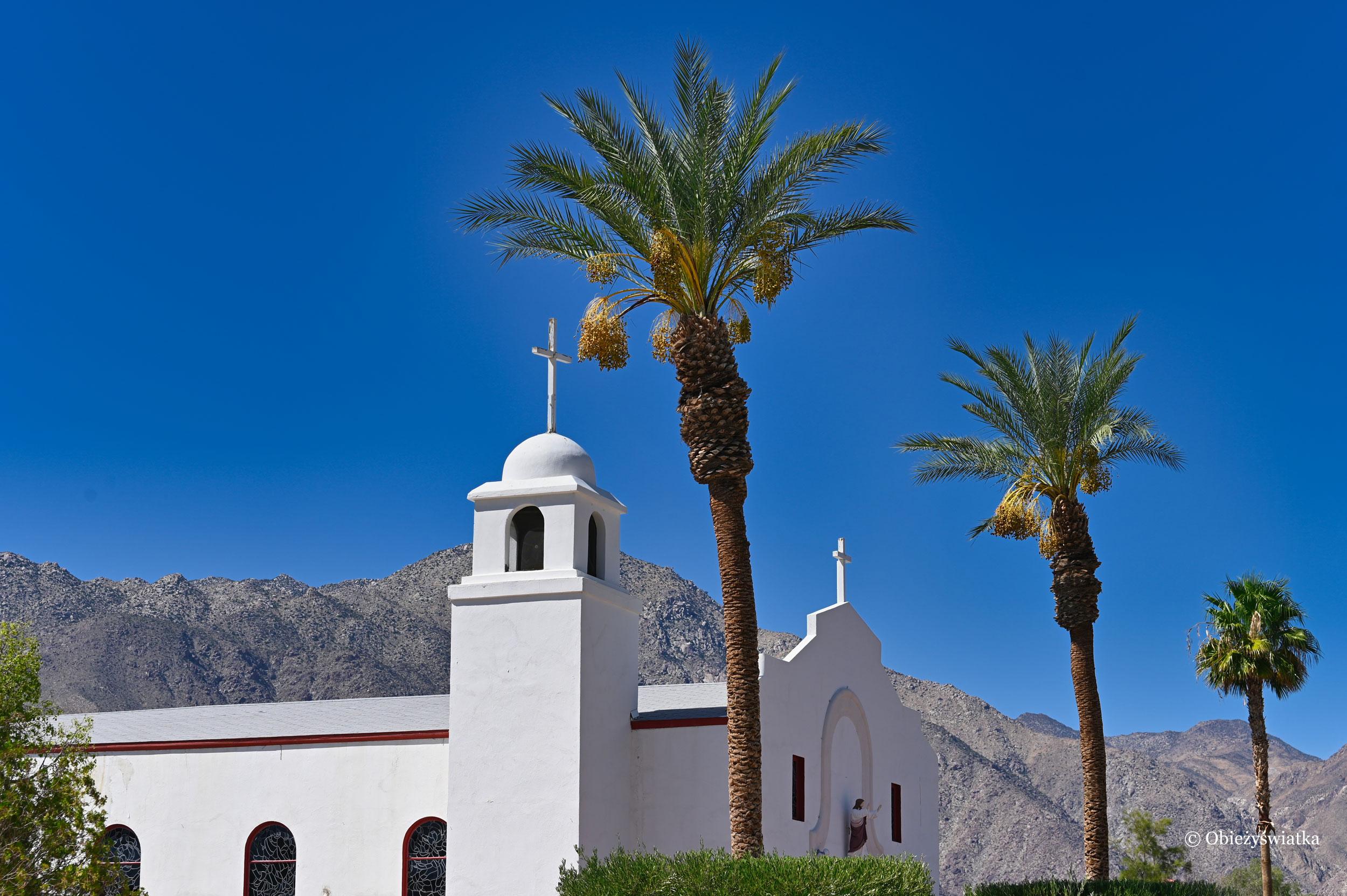 Jeden z kościółków w Borrego Springs, Kalifornia