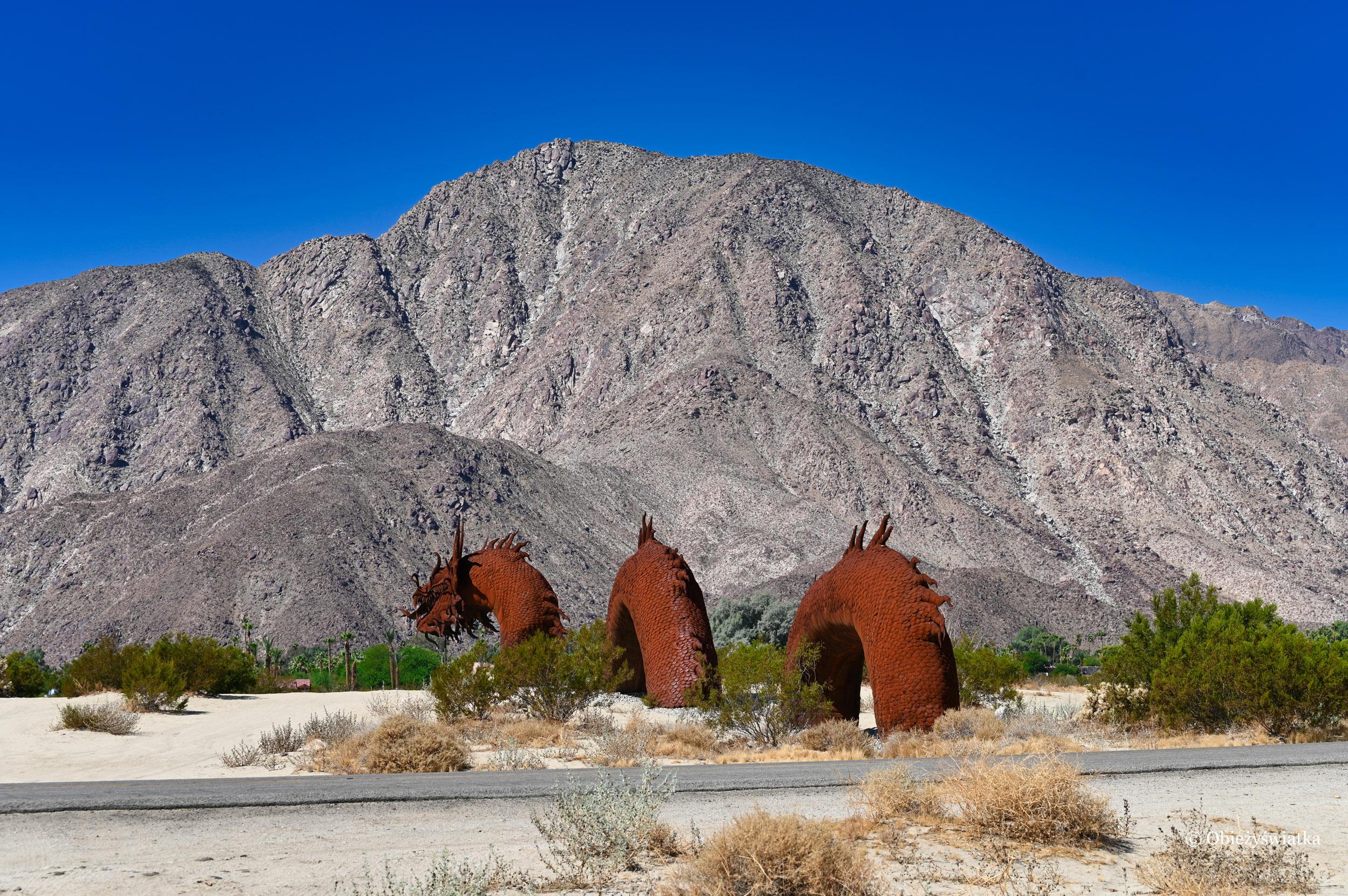 Smok - rzeźba w Borrego Springs, Kalifornia