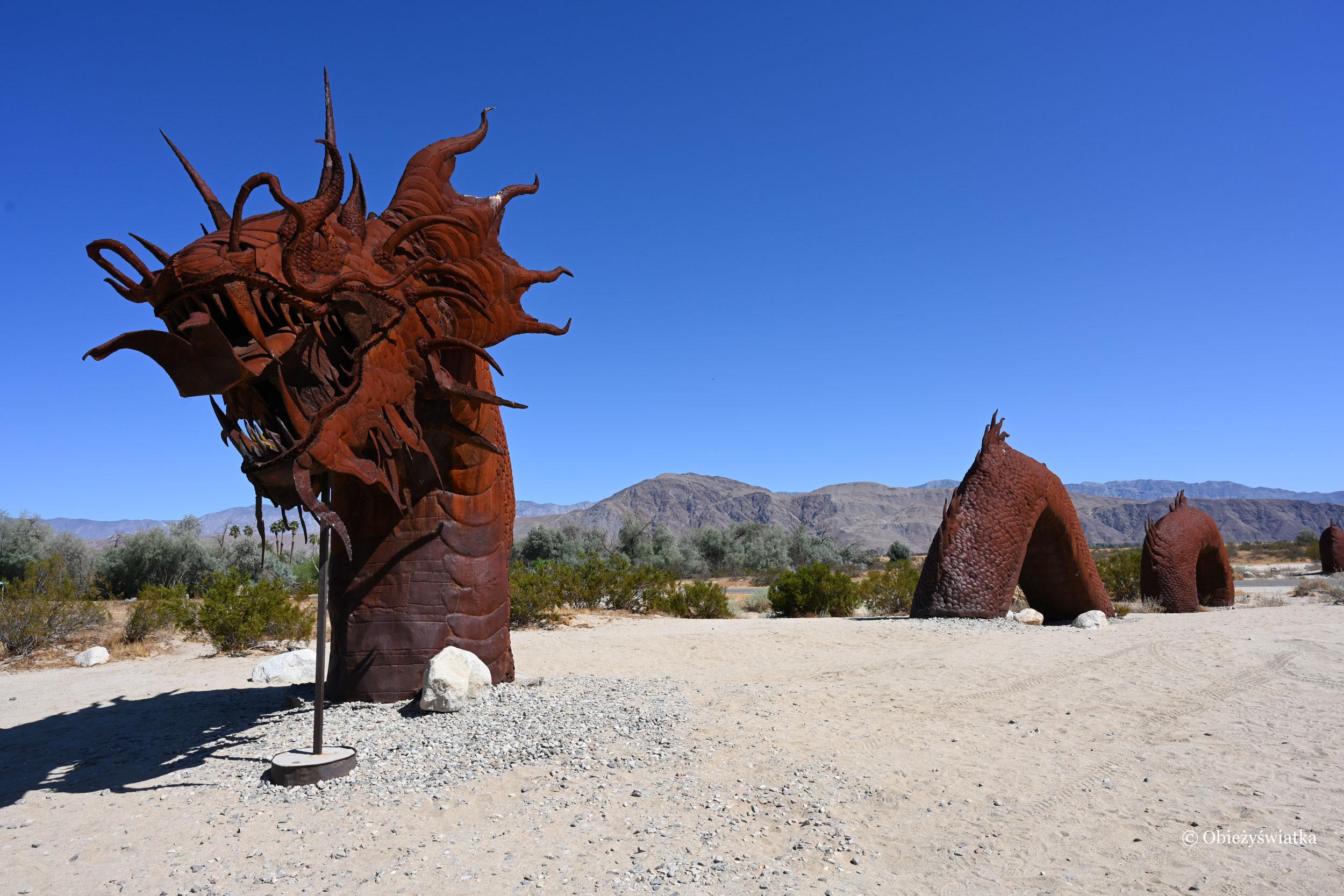 Smok - rzeźba w Borrego Springs