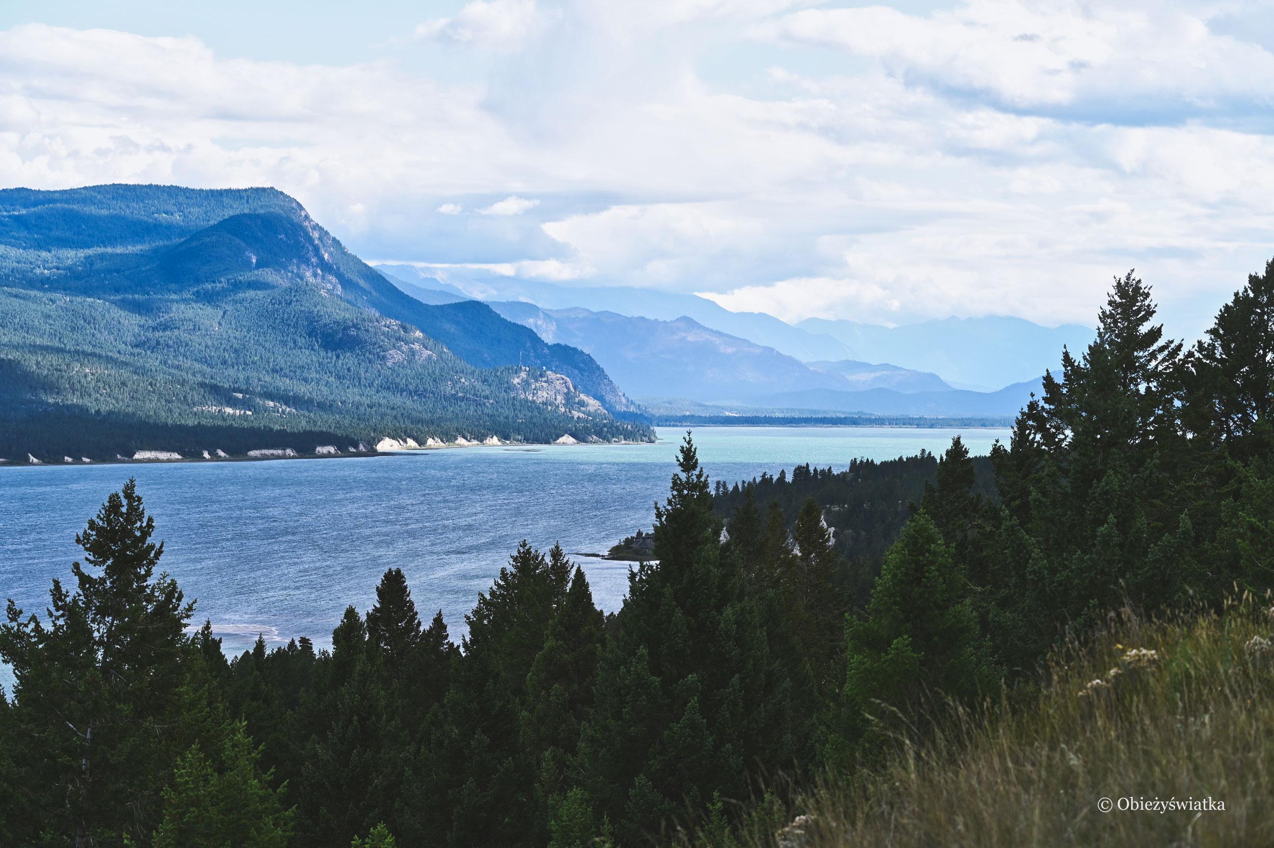 Columbia Lake - Jezioro Kolumbia, źródło rzeki Kolumbia w Kanadzie