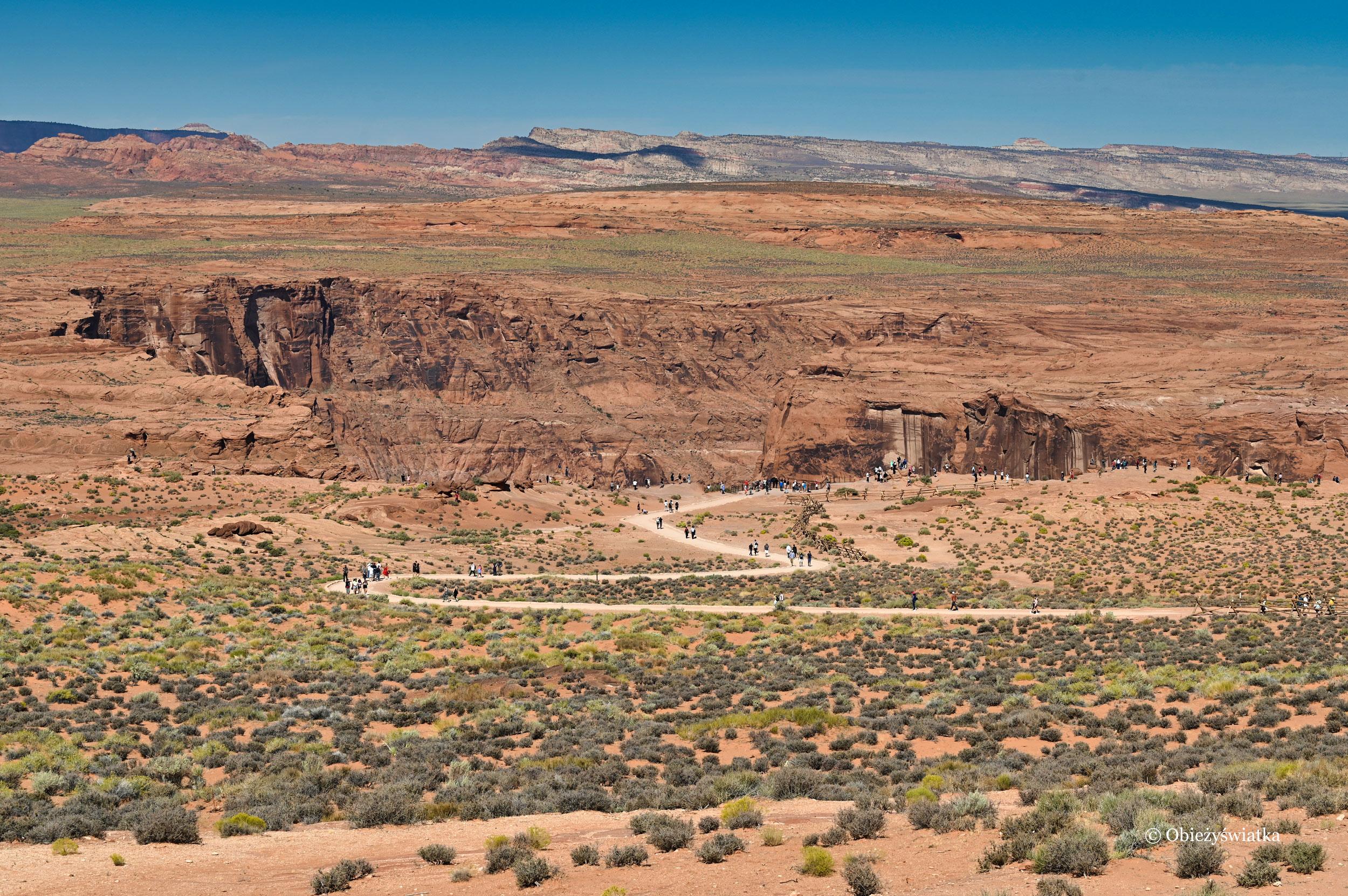 Droga do punktu widokowego nad rzeką Kolorado, Horseshoe Bend, Arizona