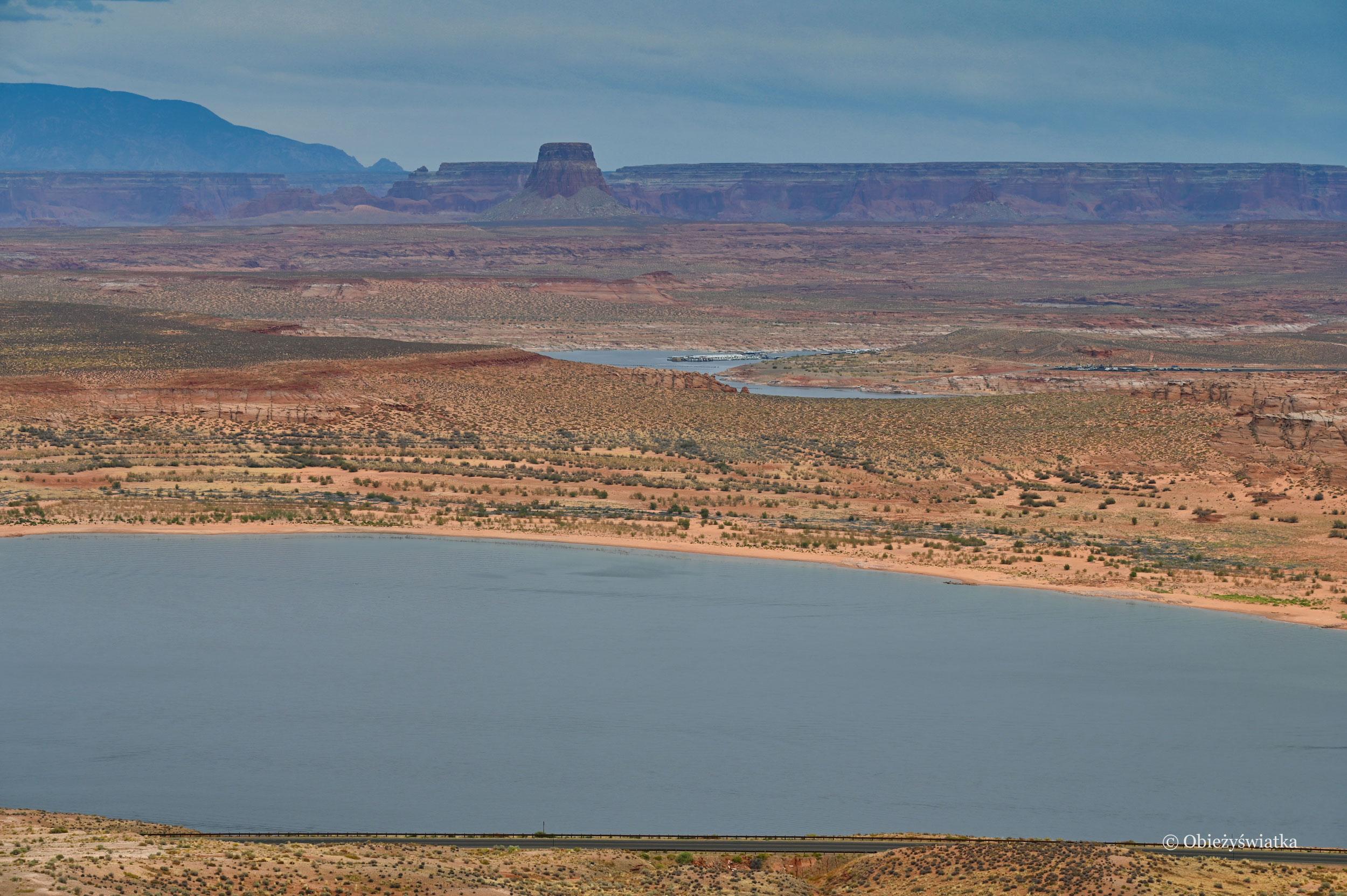 Niesamowity krajobraz Lake Powell