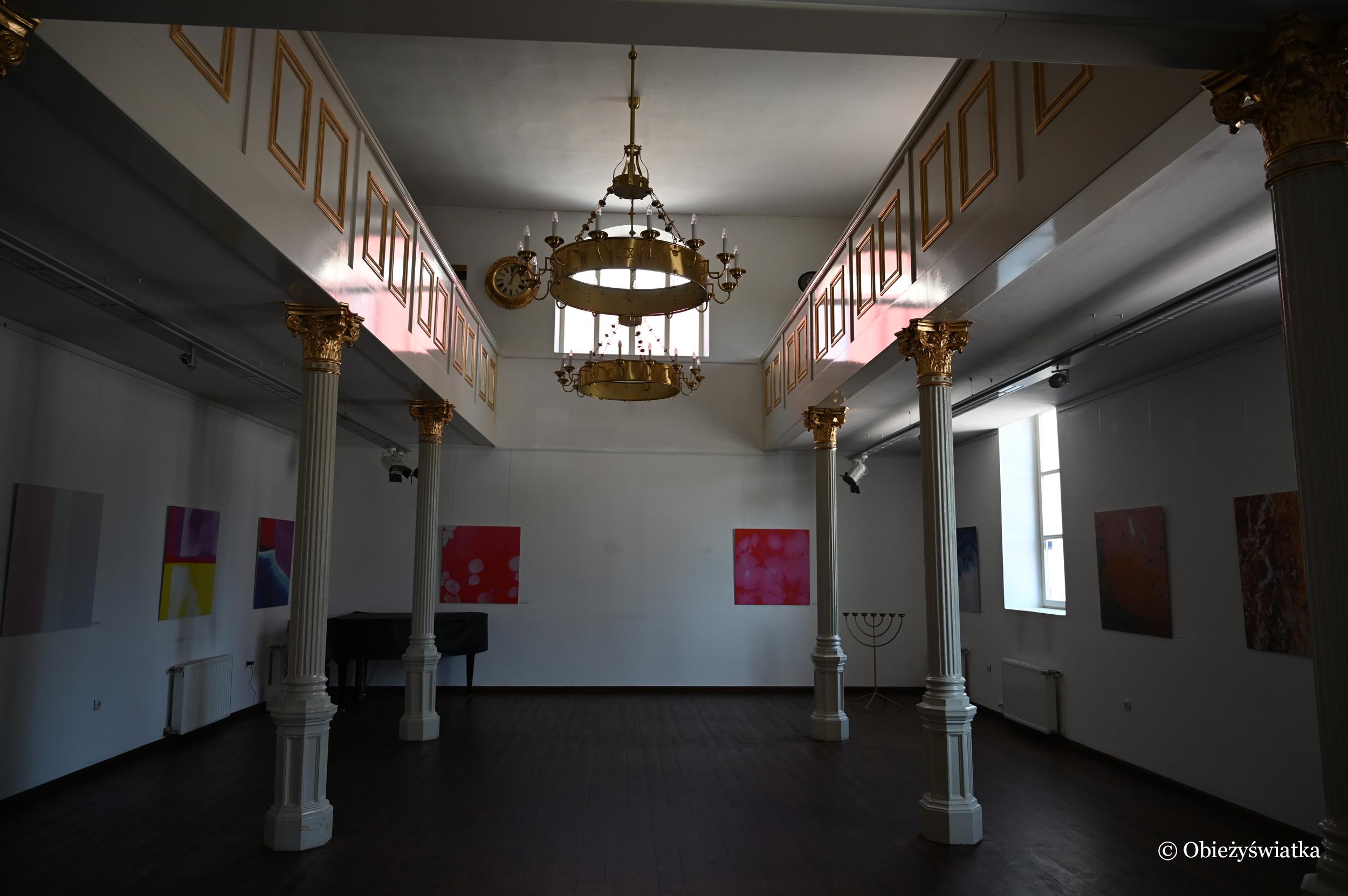 Wnętrze synagogi w Lendavie, Słowenia