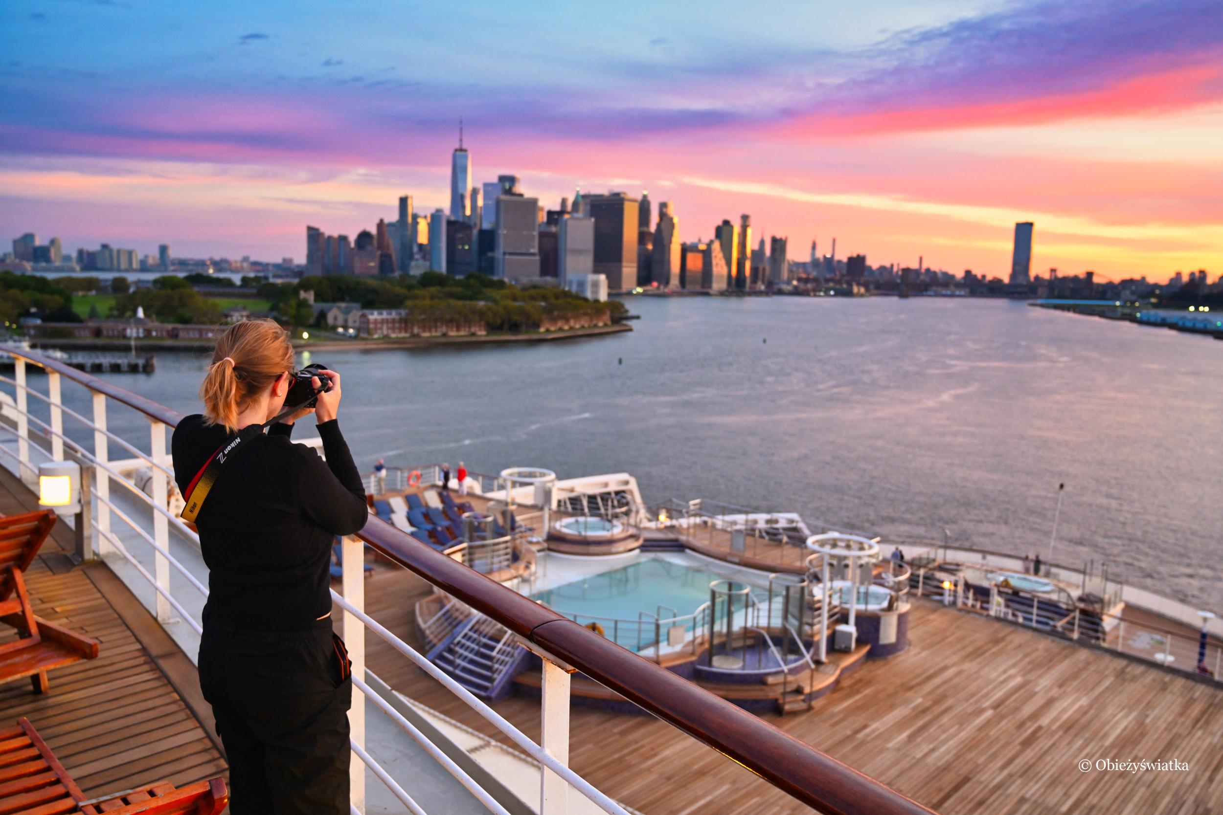 Nowy Jork i Manhattan o świcie z pokładu Queen Mary 2, 2019