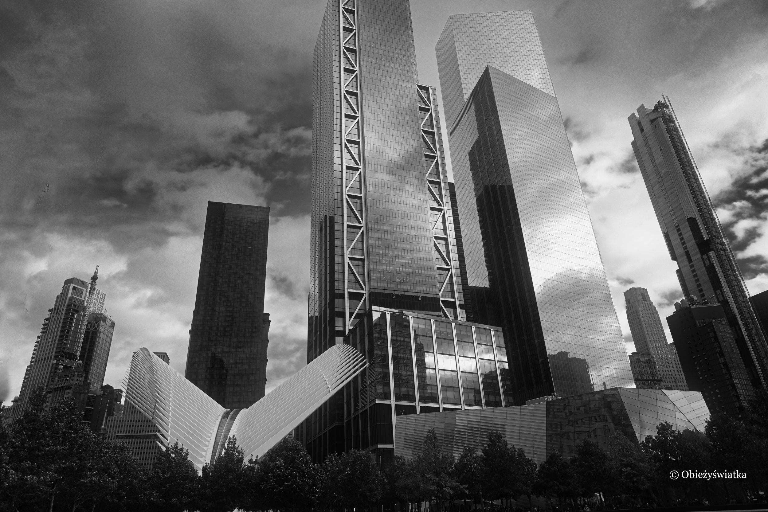 Oculus i wieżowce Nowego Jorku