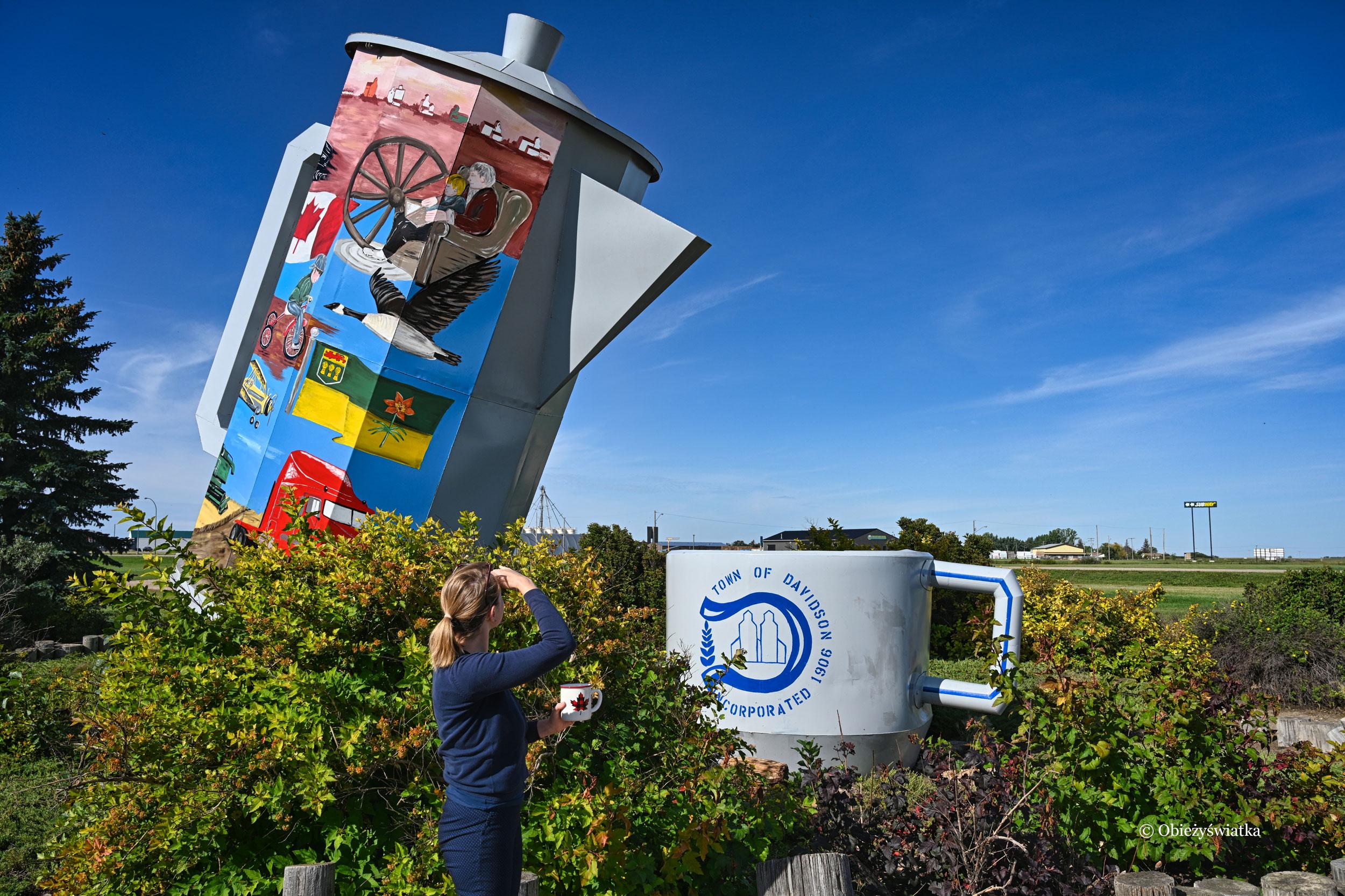Kanadyjski kubek mam i ja ;) - Coffee pot monument, Canada