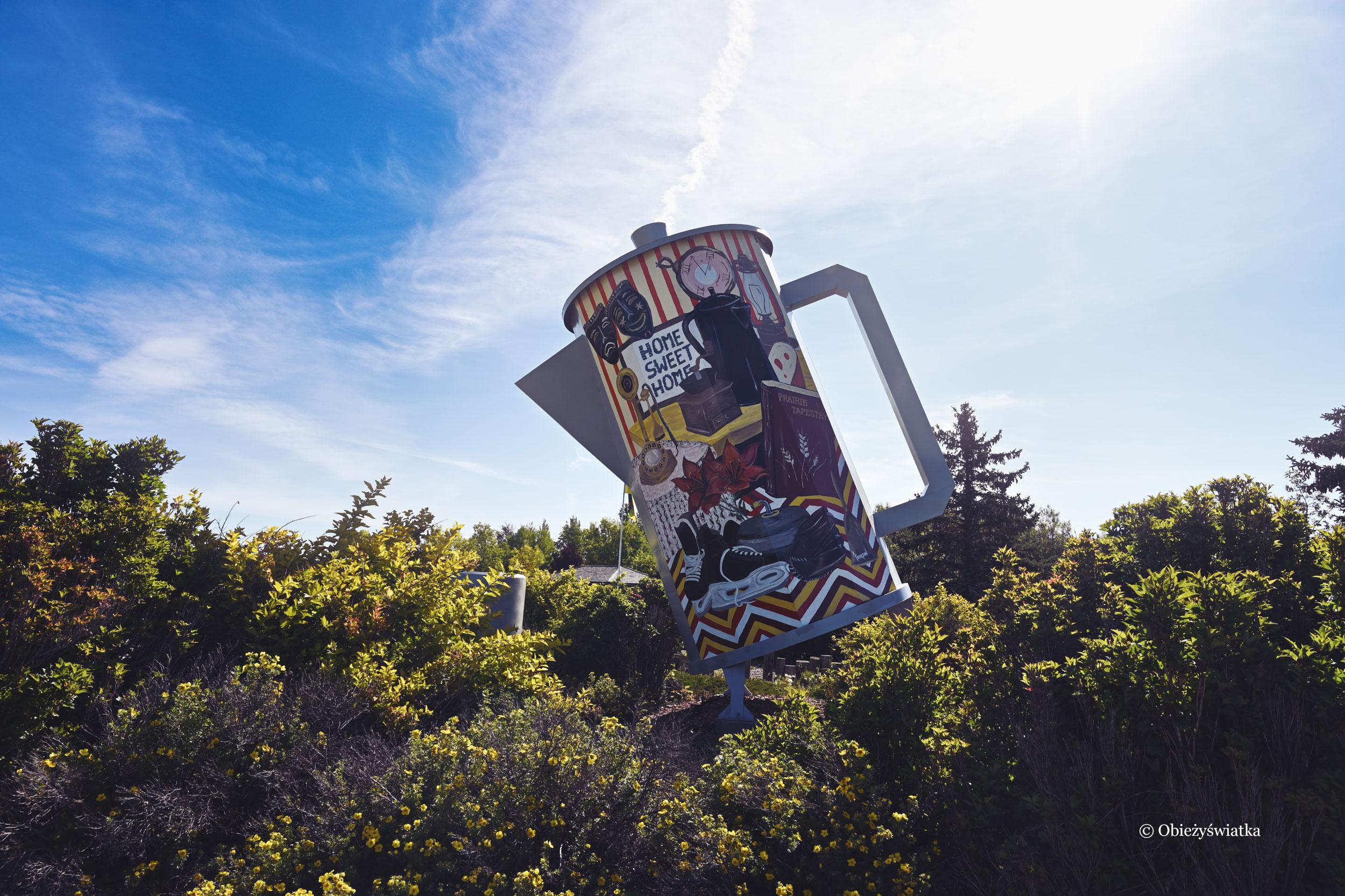 Coffee pot monument, czyli pomnik dzbanka do kawy, Davidson, Kanada