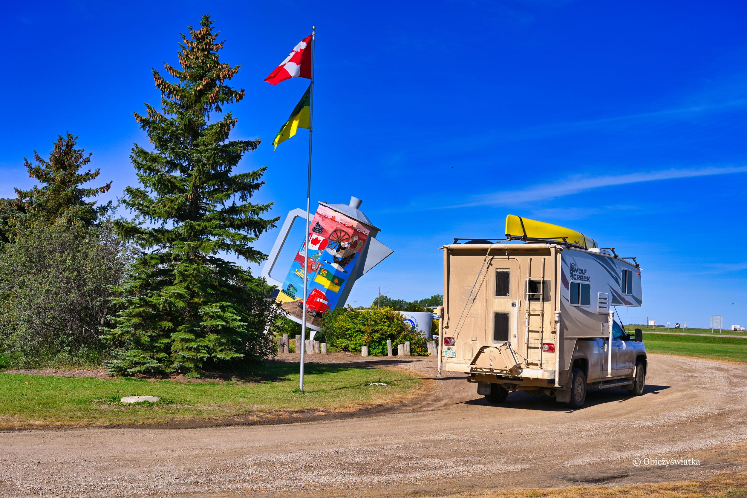 Olbrzymi dzbanek do kawy, Davidson, Kanada
