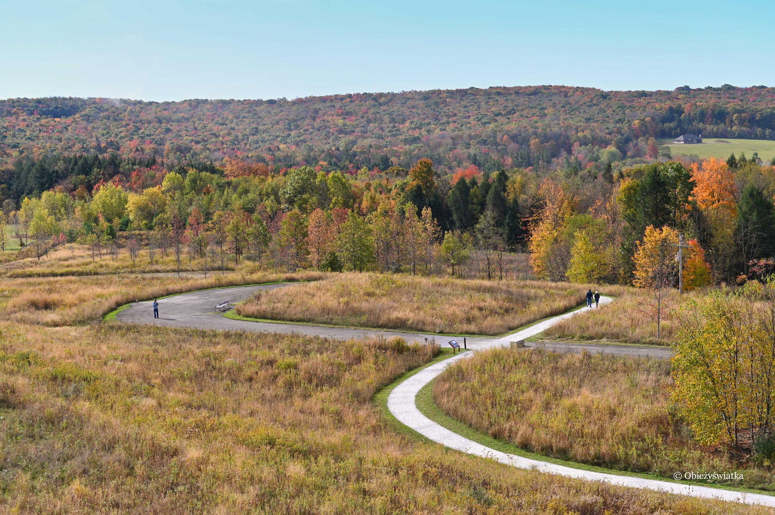Jedna z dróg prowadząca przez teren Miejsca Pamięci Flight 93 National Memorial, USA