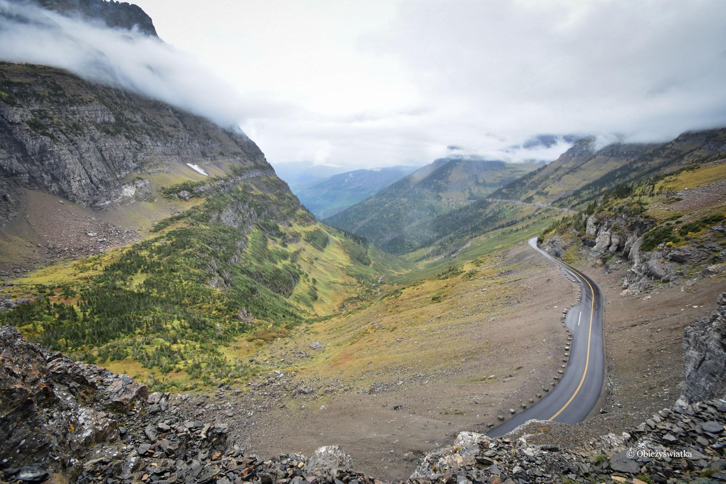 Going to the Sun Road na przełęczy Logana, Montana, USA
