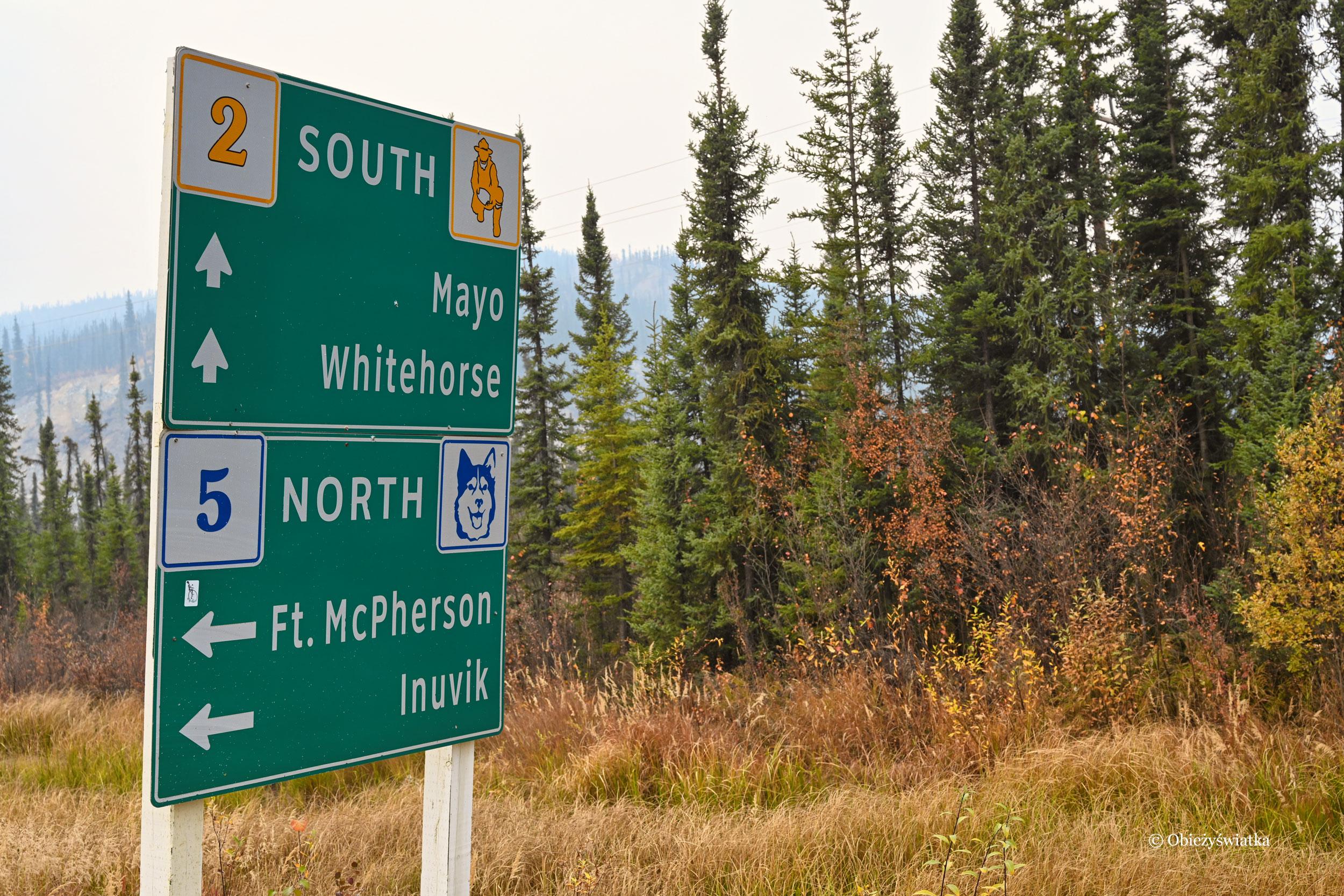 Szyldy droge na Klondike Highway, Kanada