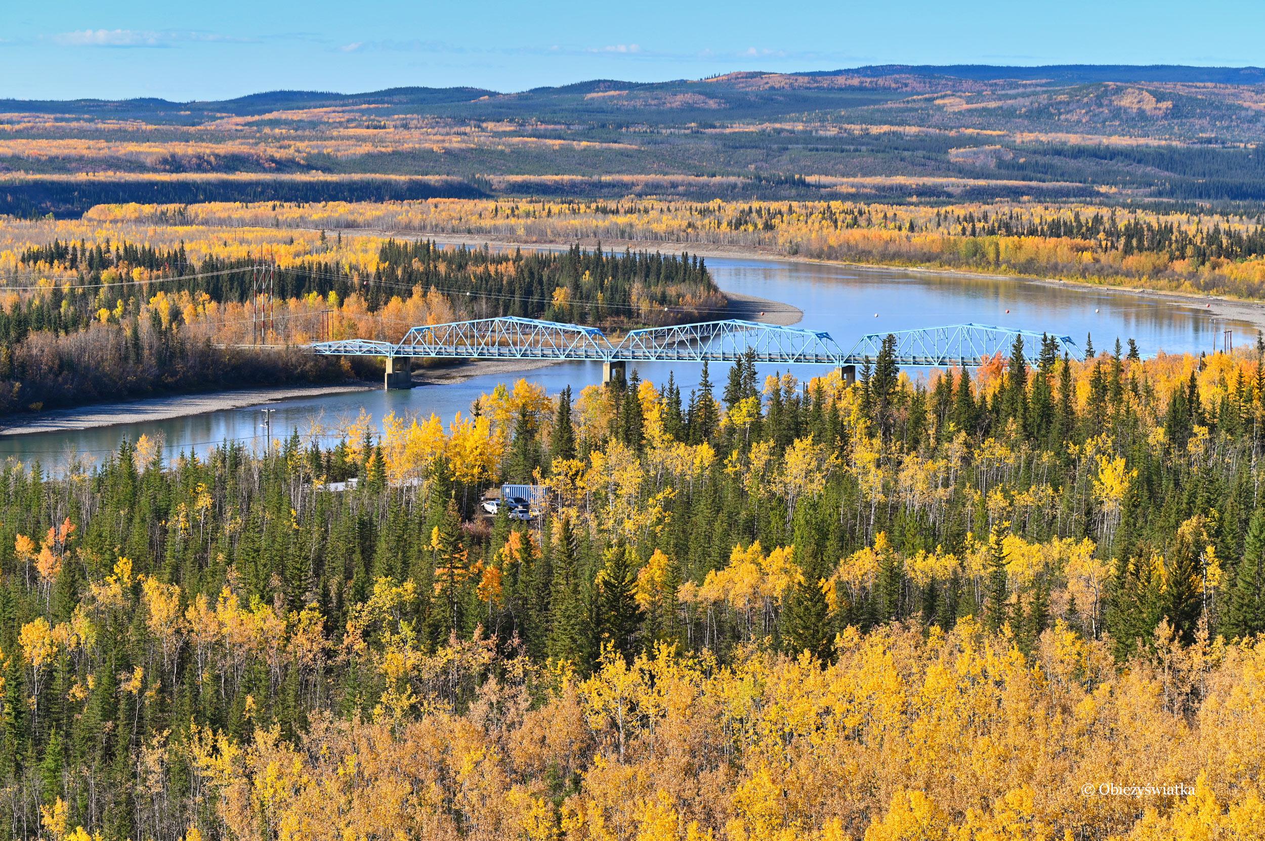Rzeka Yukon - widok z Klondike Highway, Kanada