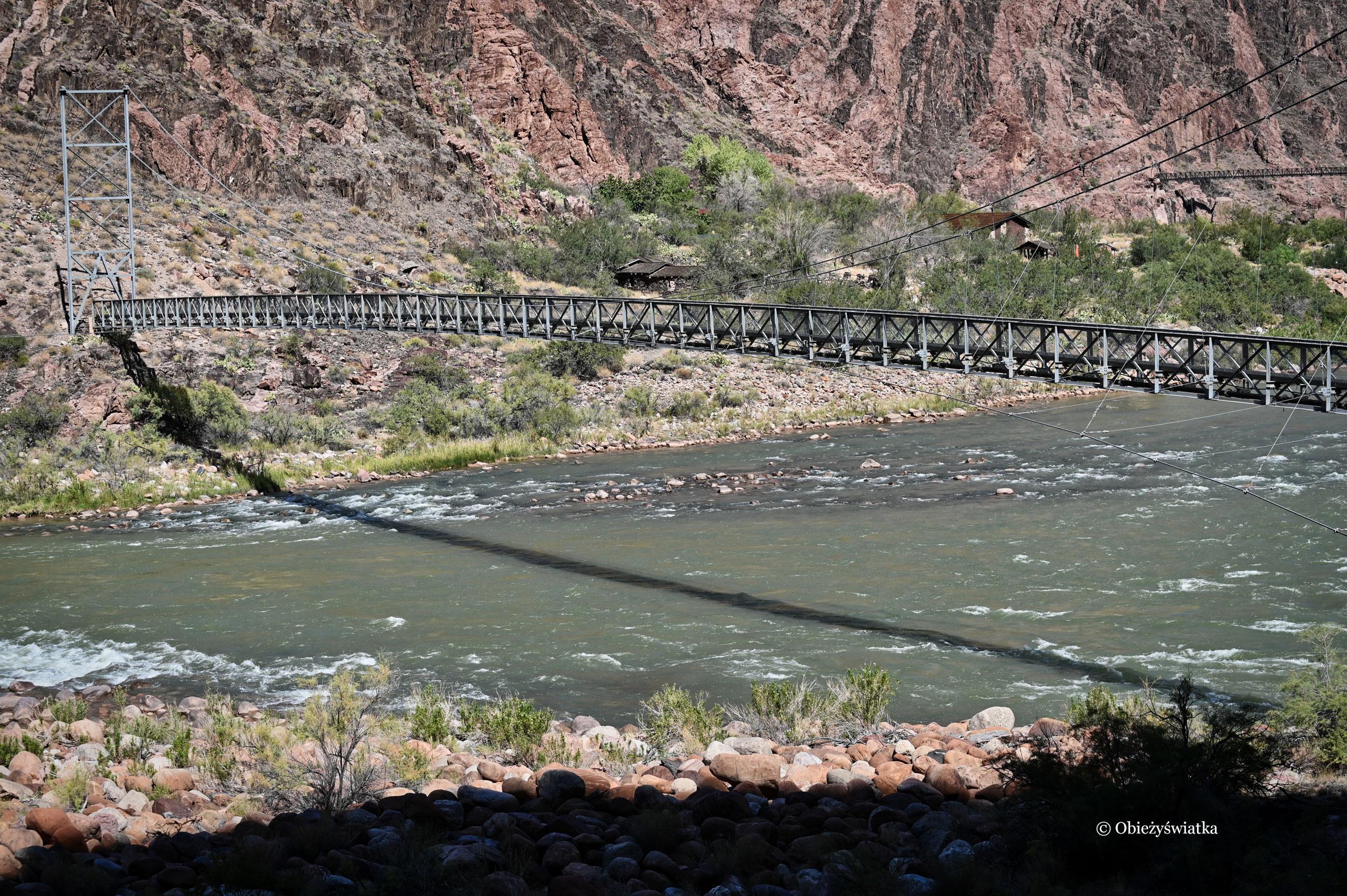 Most na rzece Kolorado na dnie Wielkiego Kanionu, Grand Canyon, Arizona