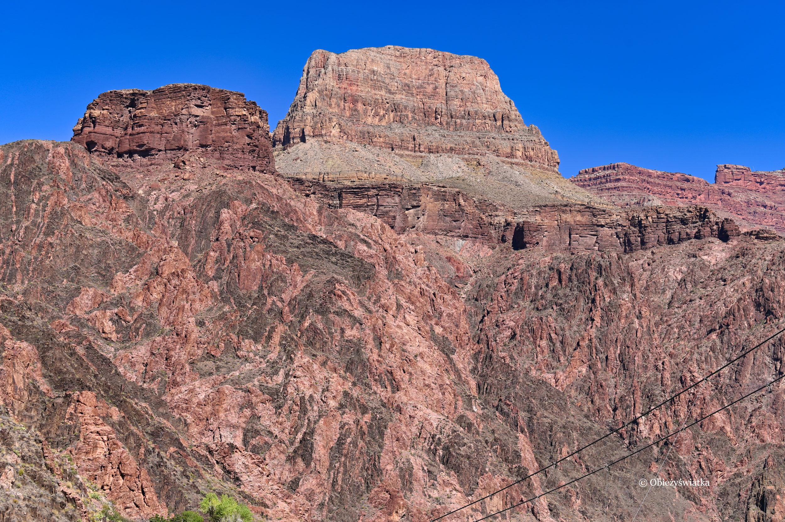 Kolorowe, masywne skały Wielkiego Kanionu, Grand Canyon, Arizona