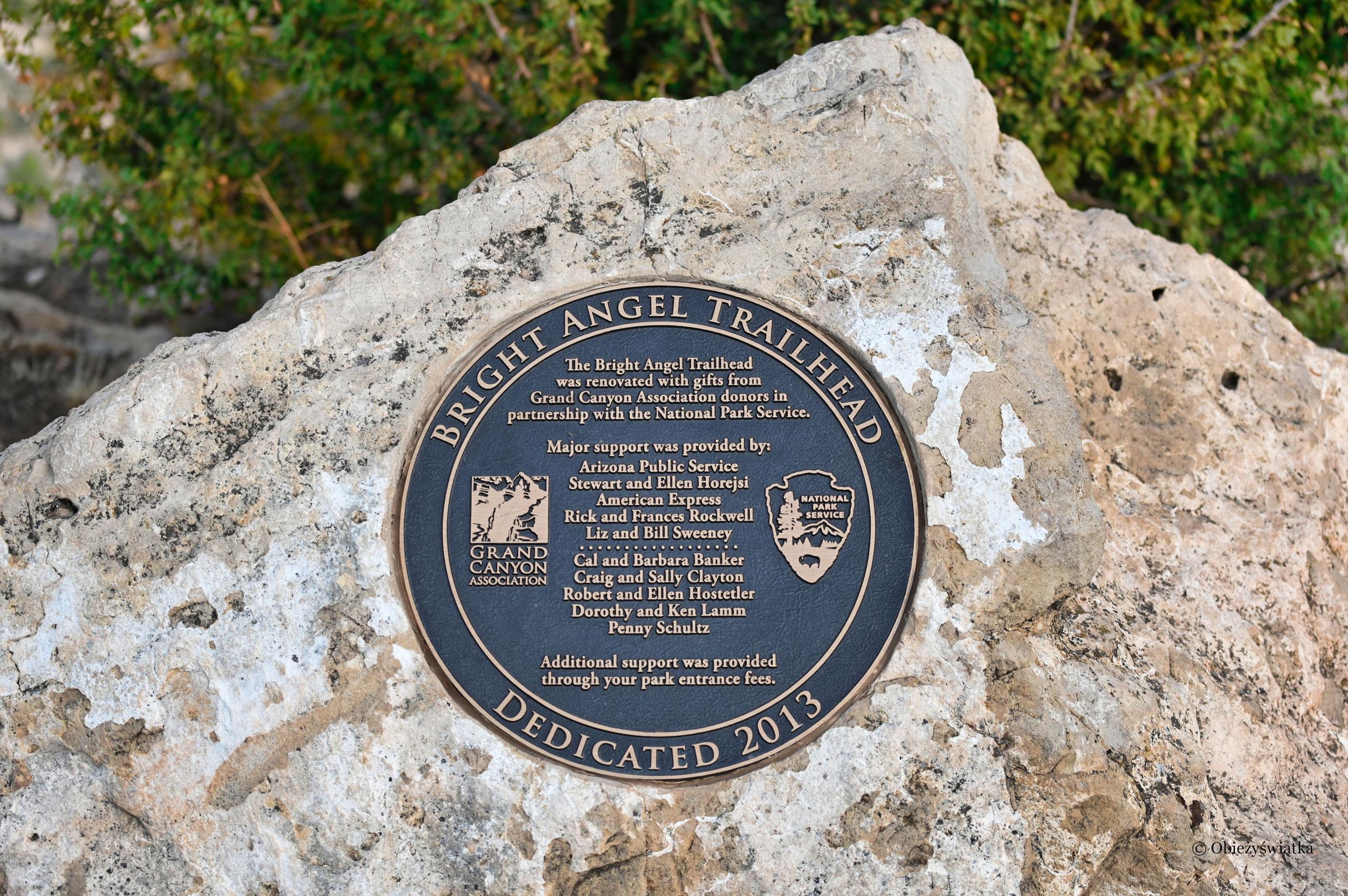 Pamiątkowa tablica - Bright Angel Trail, Grand Canyon
