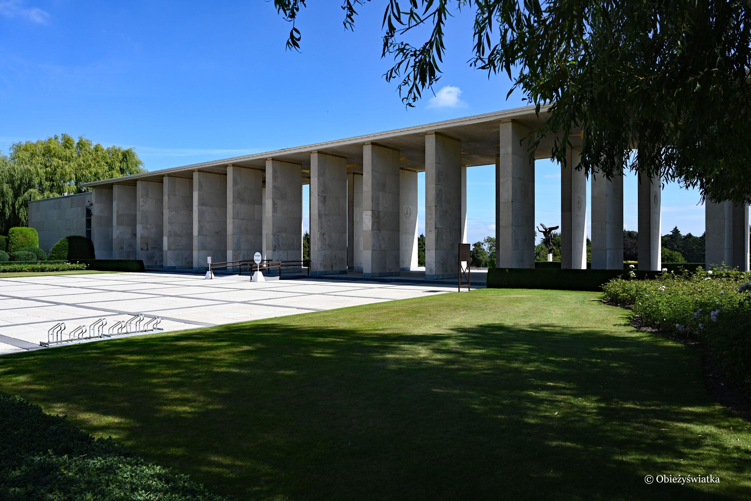 Amerykański cmentarz wojskowy - Hall of Honor, Henrie Chapelle, Belgia