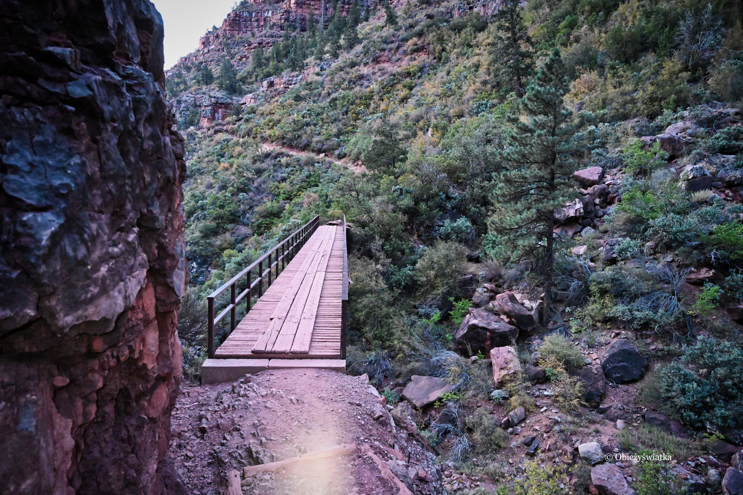 Mosty, mosty, mosty - na szlaku North Kaibab Trail jest ich bardzo dużo...