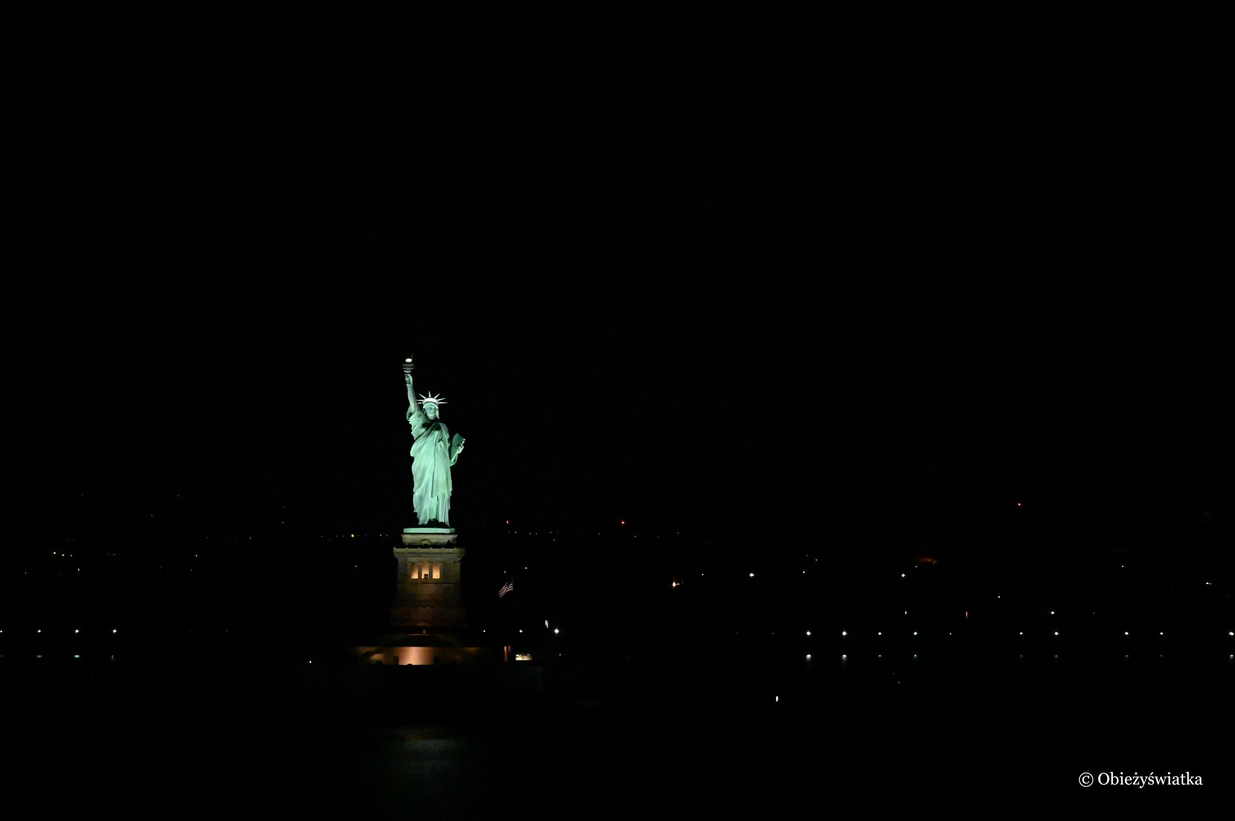Statua Wolności nocą, Nowy Jork